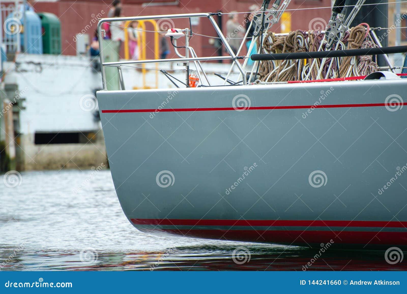 野燕麦XI 11破纪录的胜利在霍巴特游艇况赛的悉尼-科技目前进步水平最大,船尾的边