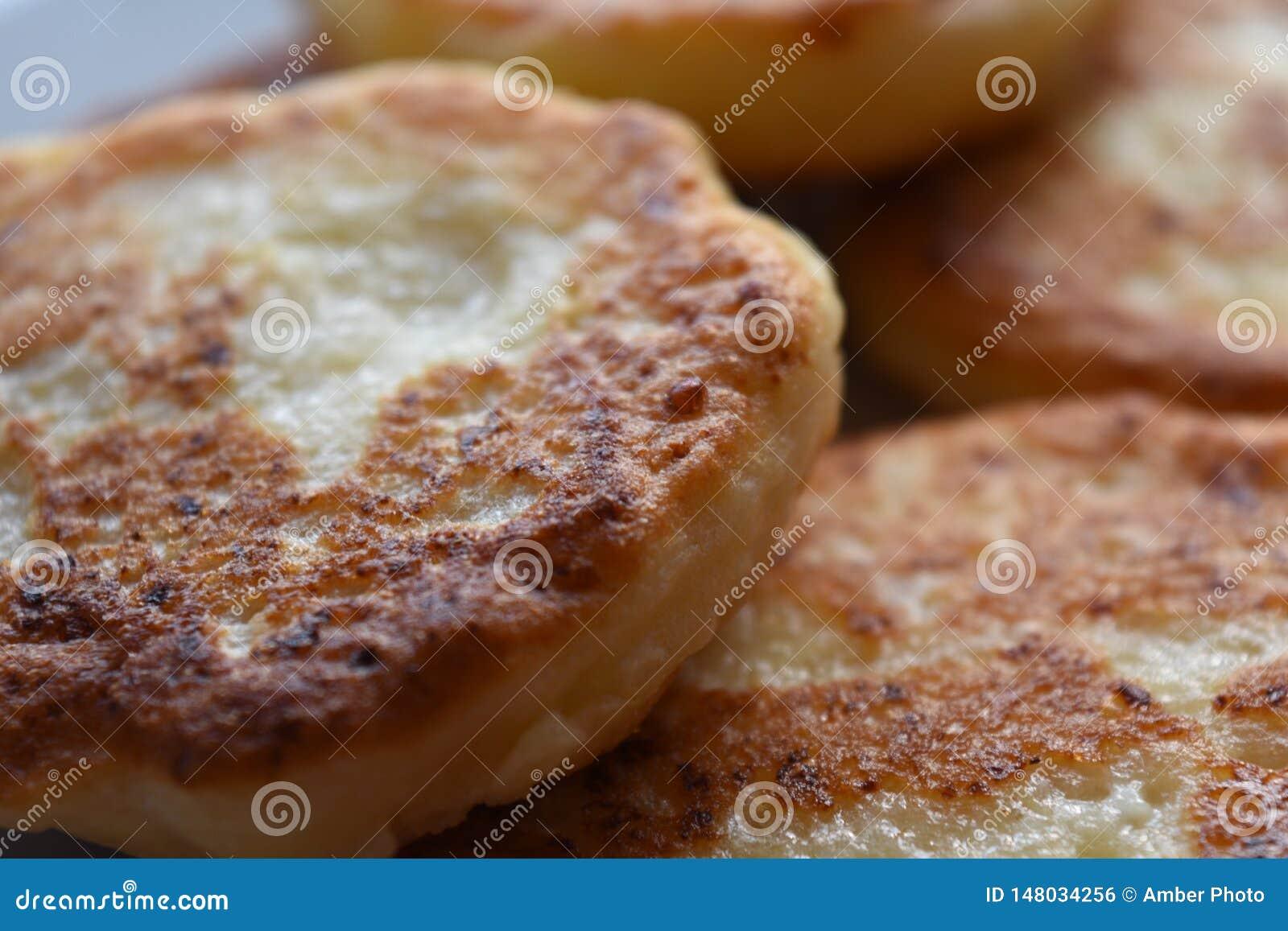金黄布朗酸奶干酪薄煎饼