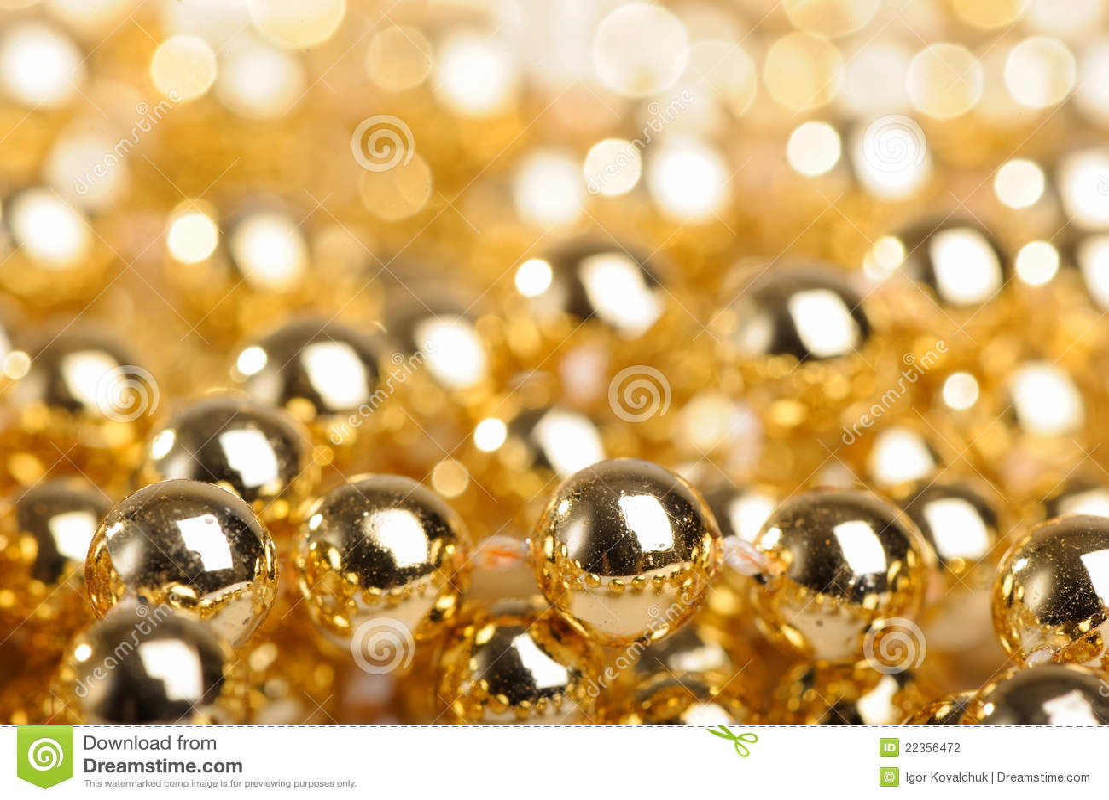 金黄的球许多
