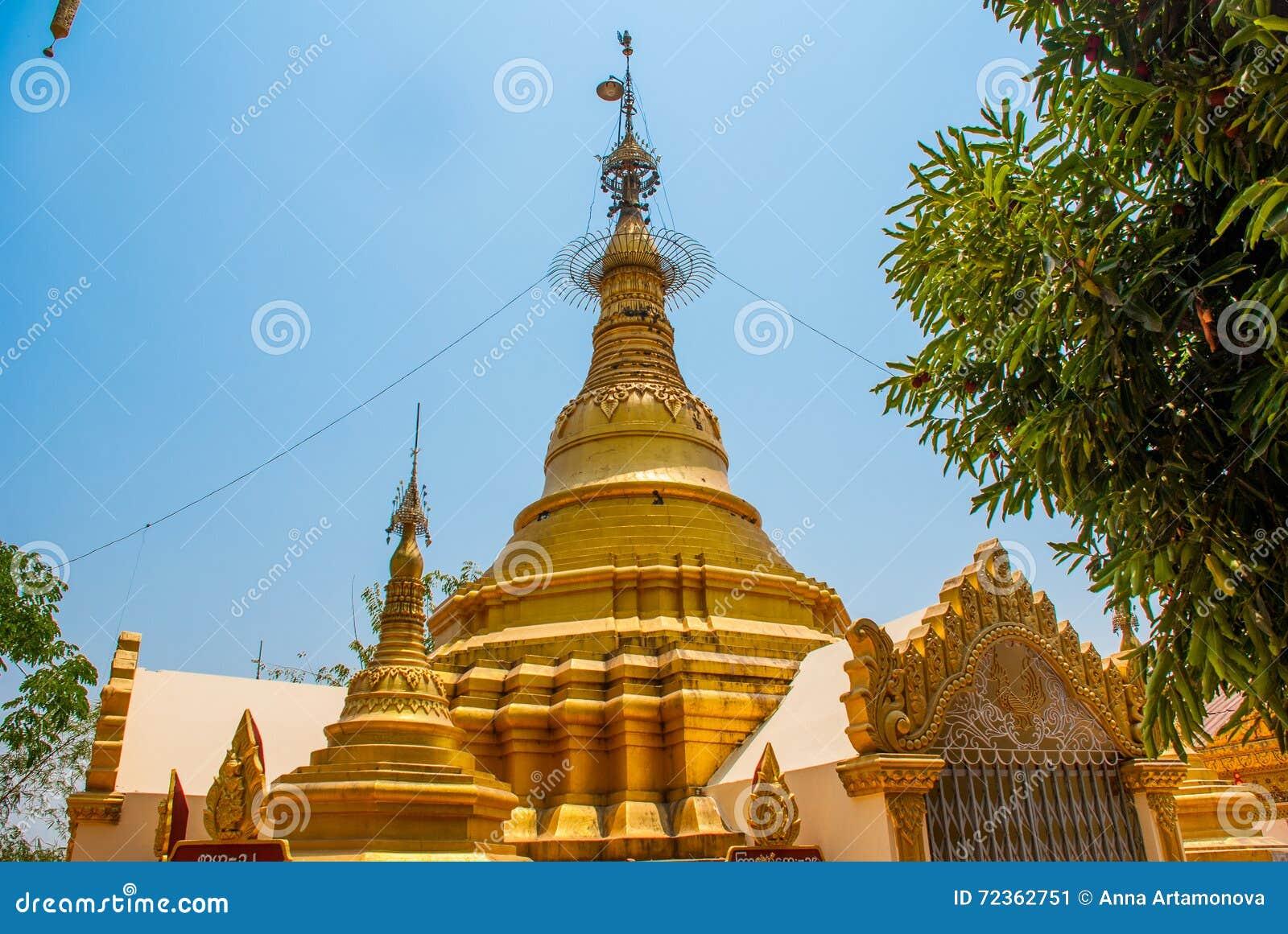 金黄stupa 在Bago曲折前进塔, Pegu镇  缅甸 缅甸