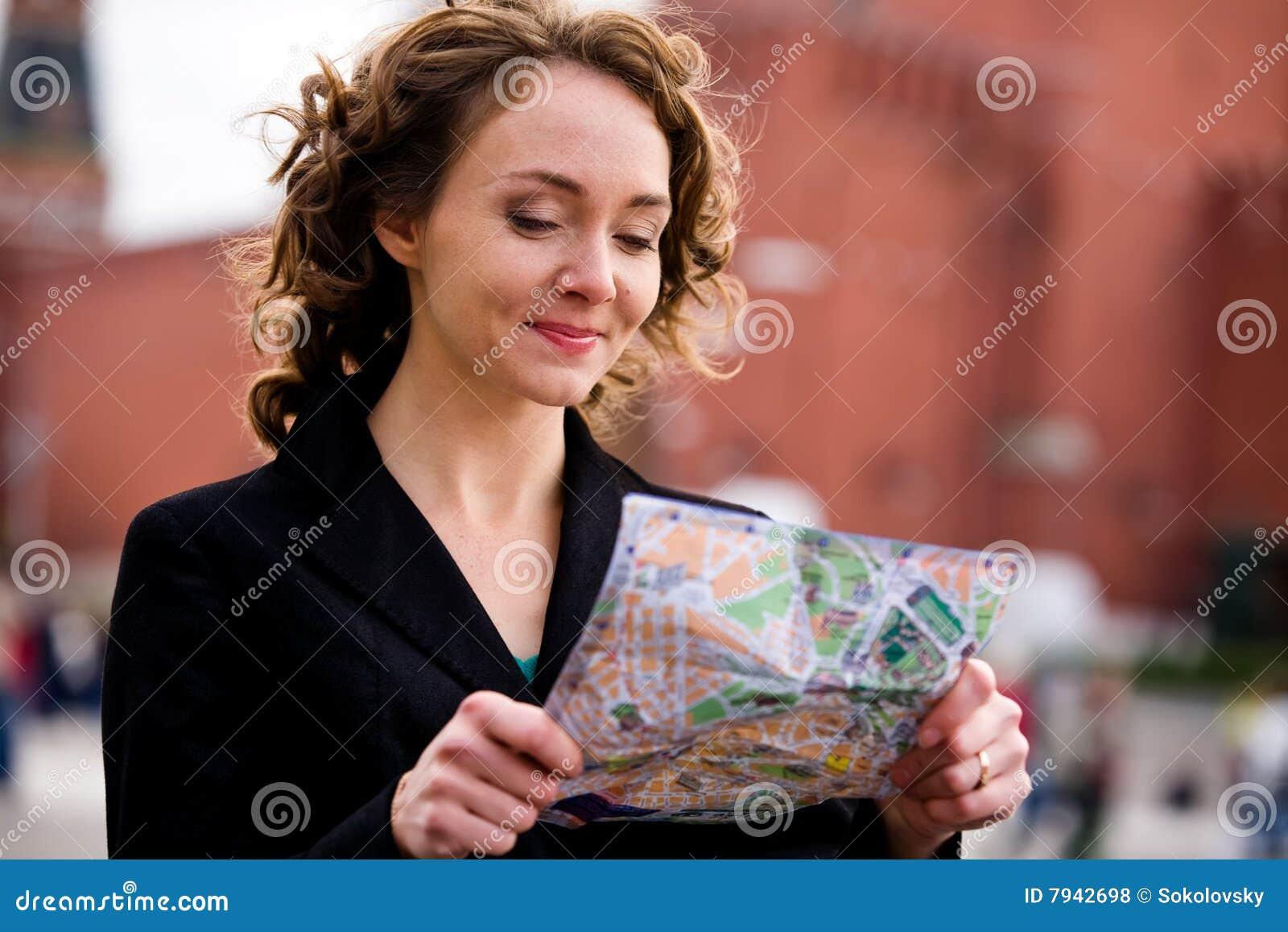 克里姆林宫莫斯科微笑的常设妇女 免版税库存照片 图片 ...