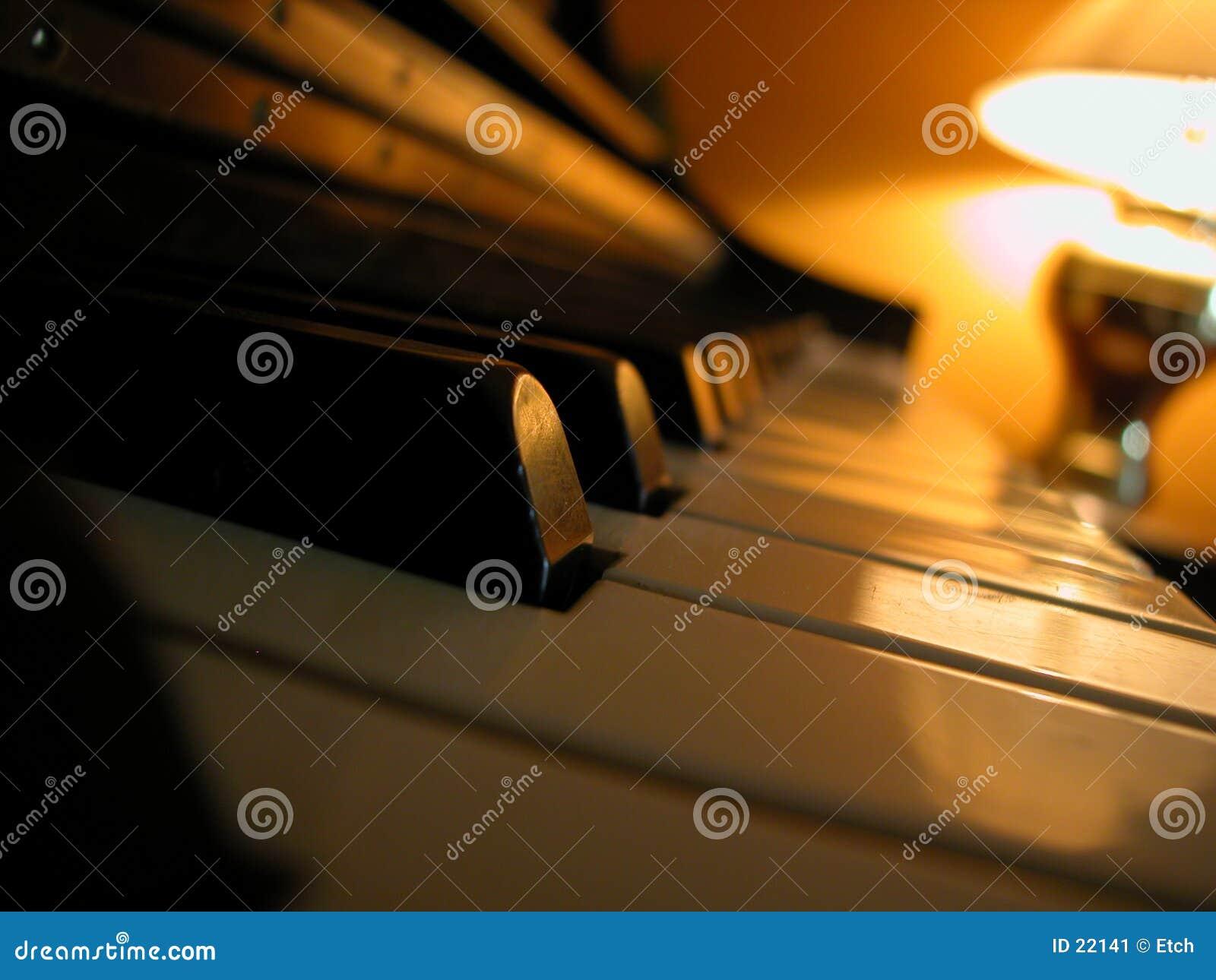 Download 钢琴 库存图片. 图片 包括有 钢琴, 锋利, 音乐, 噪声, 评定, 赞美诗, 附注, 平面, 和谐, 曲调 - 22141