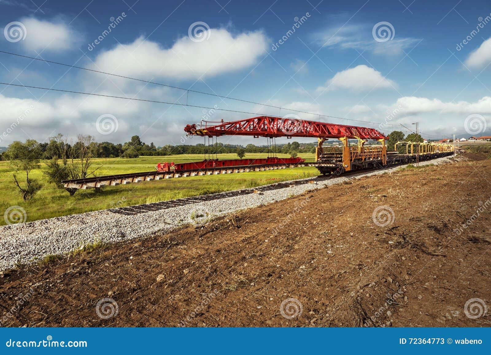 铁路线的重建