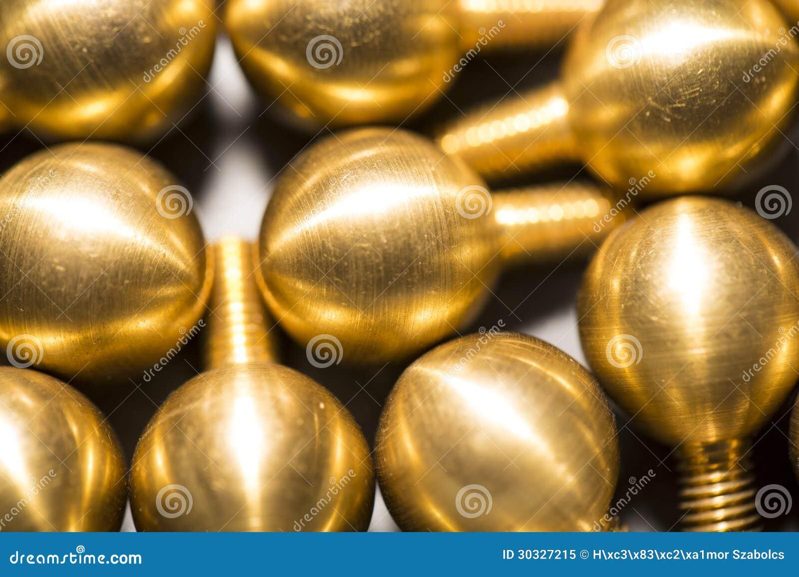 黄铜螺丝当屏幕保护者