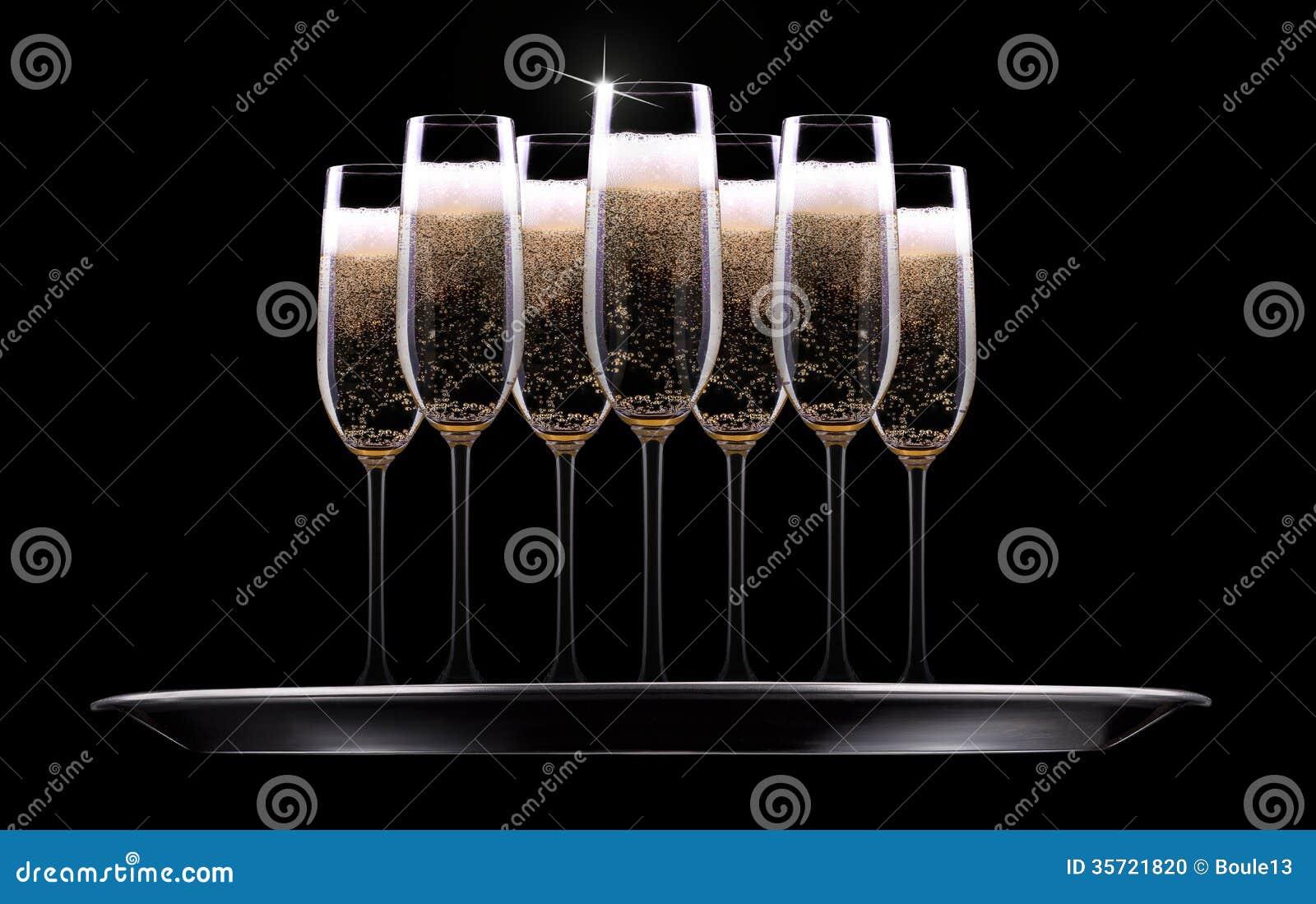 银色盘子用香槟