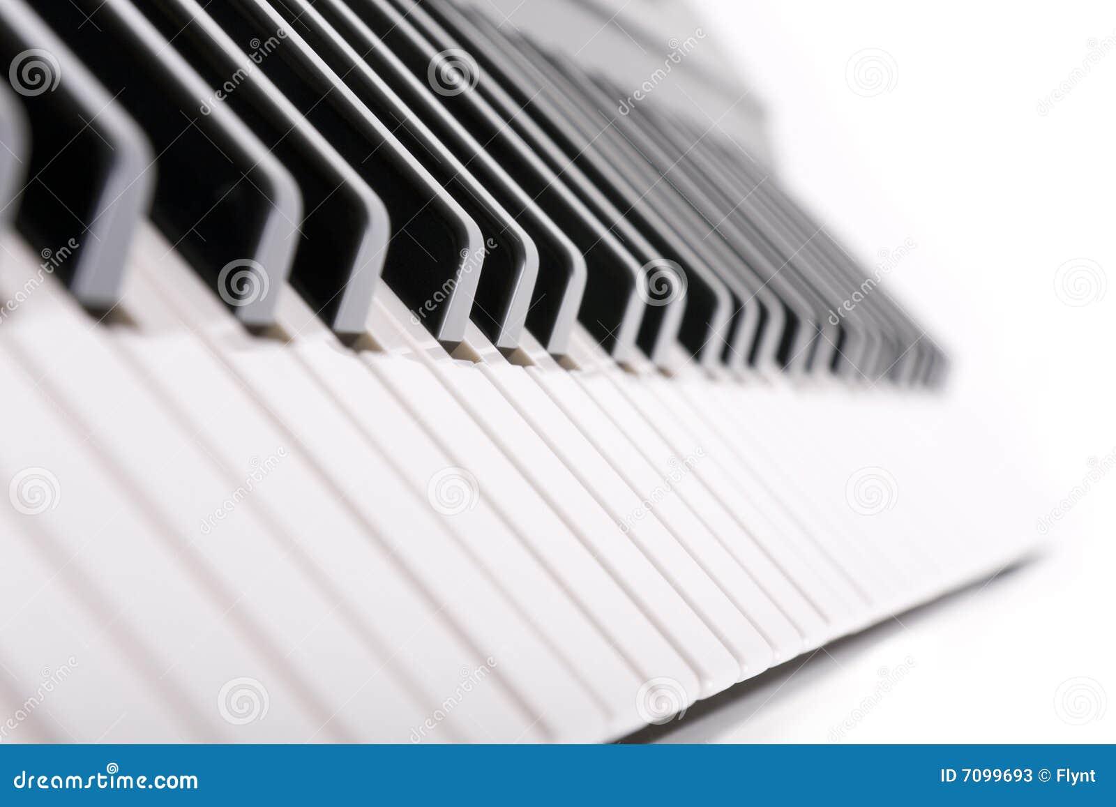 锁上钢琴白色