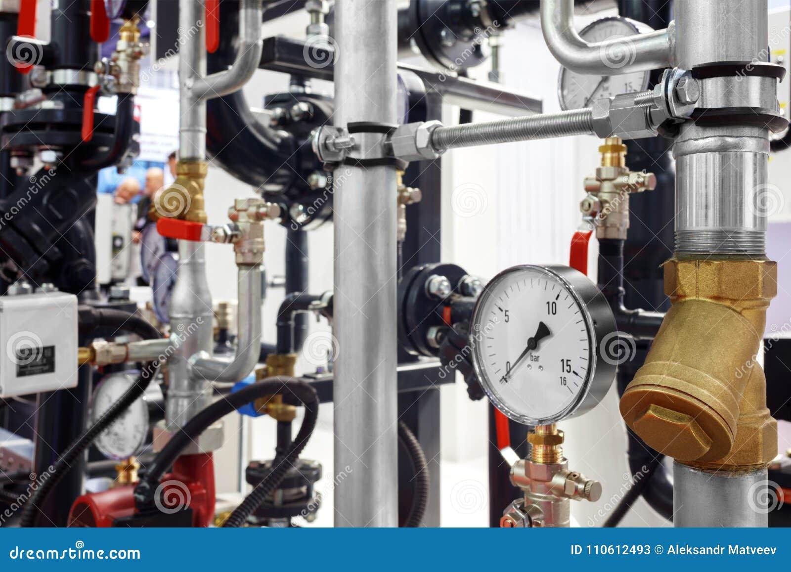 锅炉房子的设备, -阀门,管,压力表,温度计 关闭测压器,管子,流量计,水p