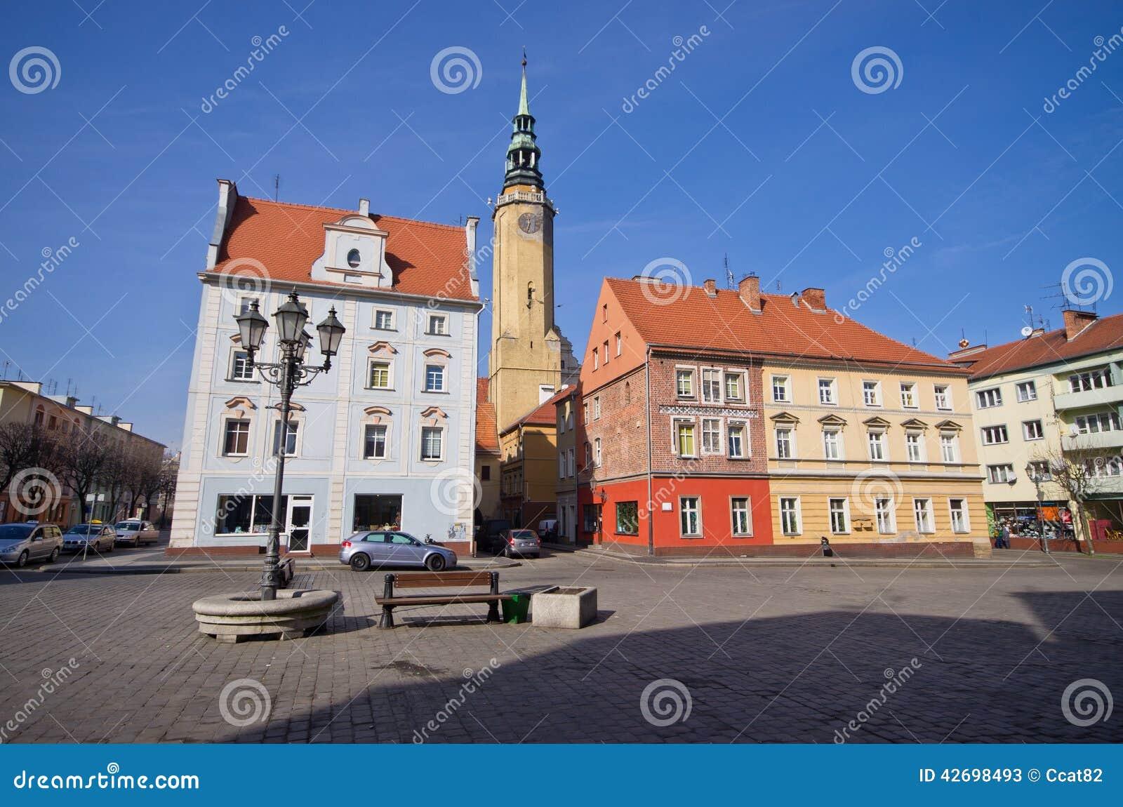 镇中心在布热格,波兰