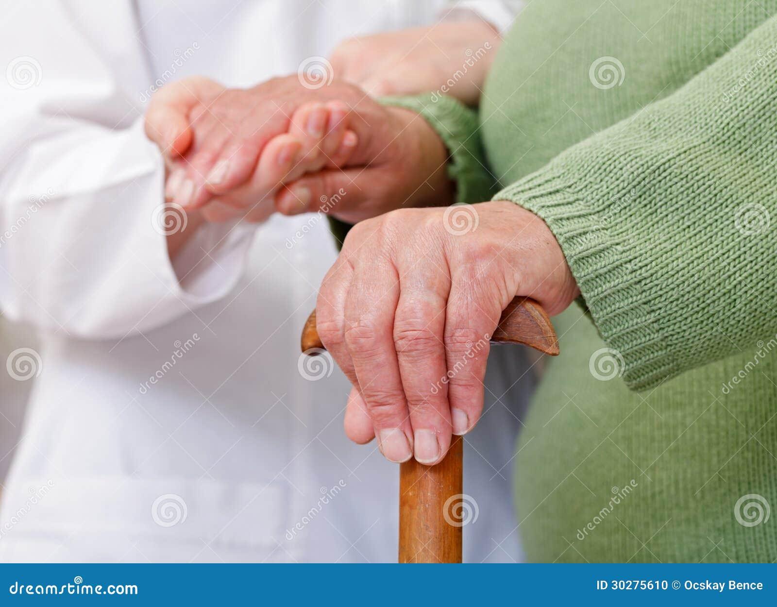 年长家庭护理
