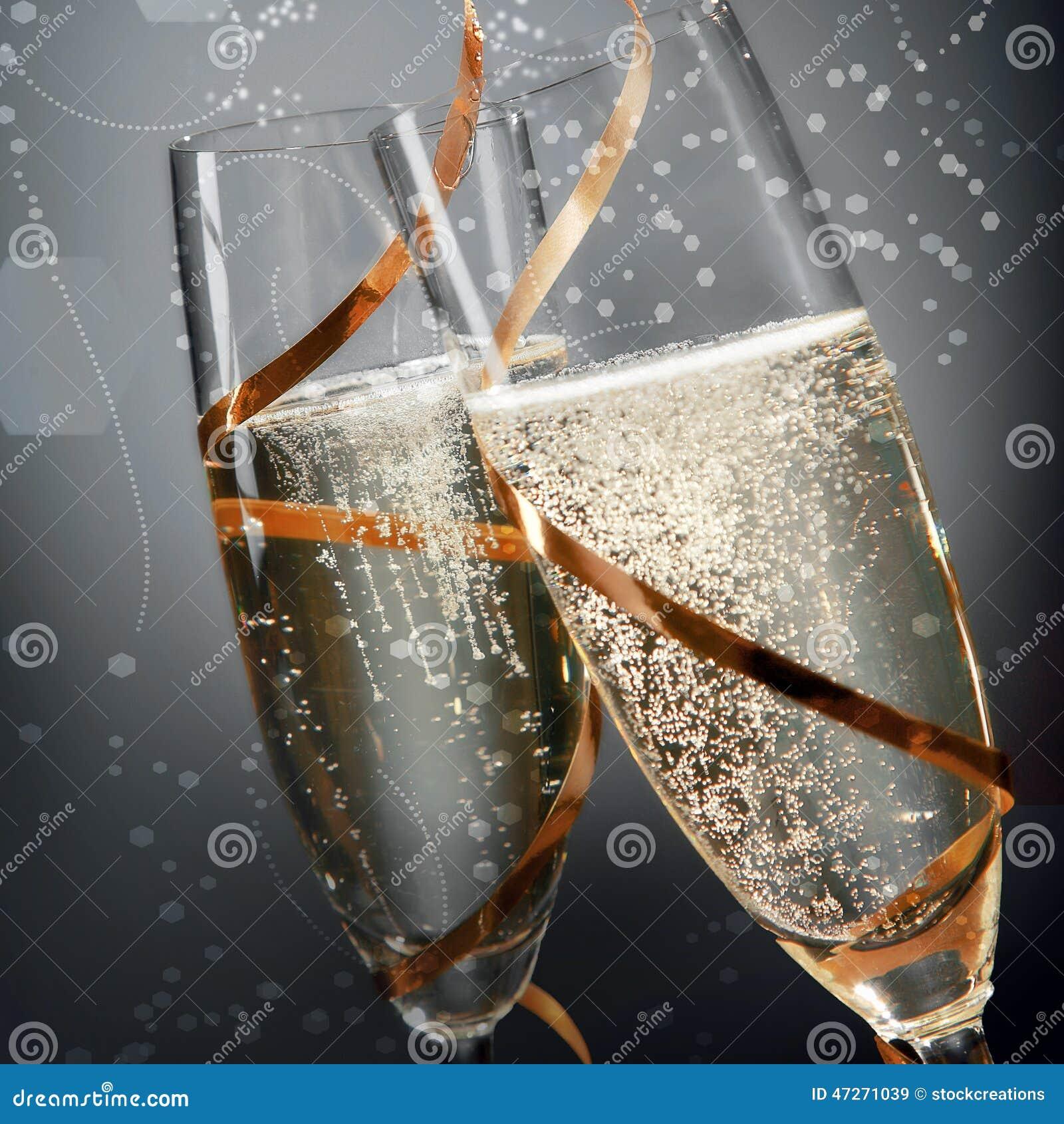 闪耀的金黄香槟浪漫长笛