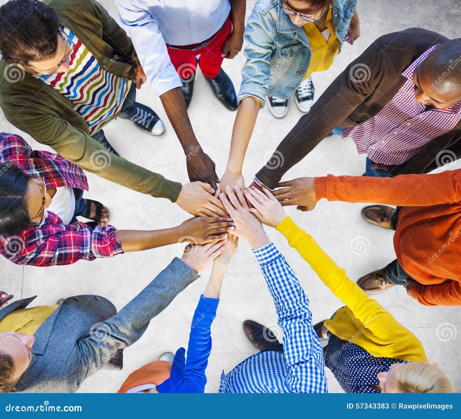 队公司配合合作协助概念