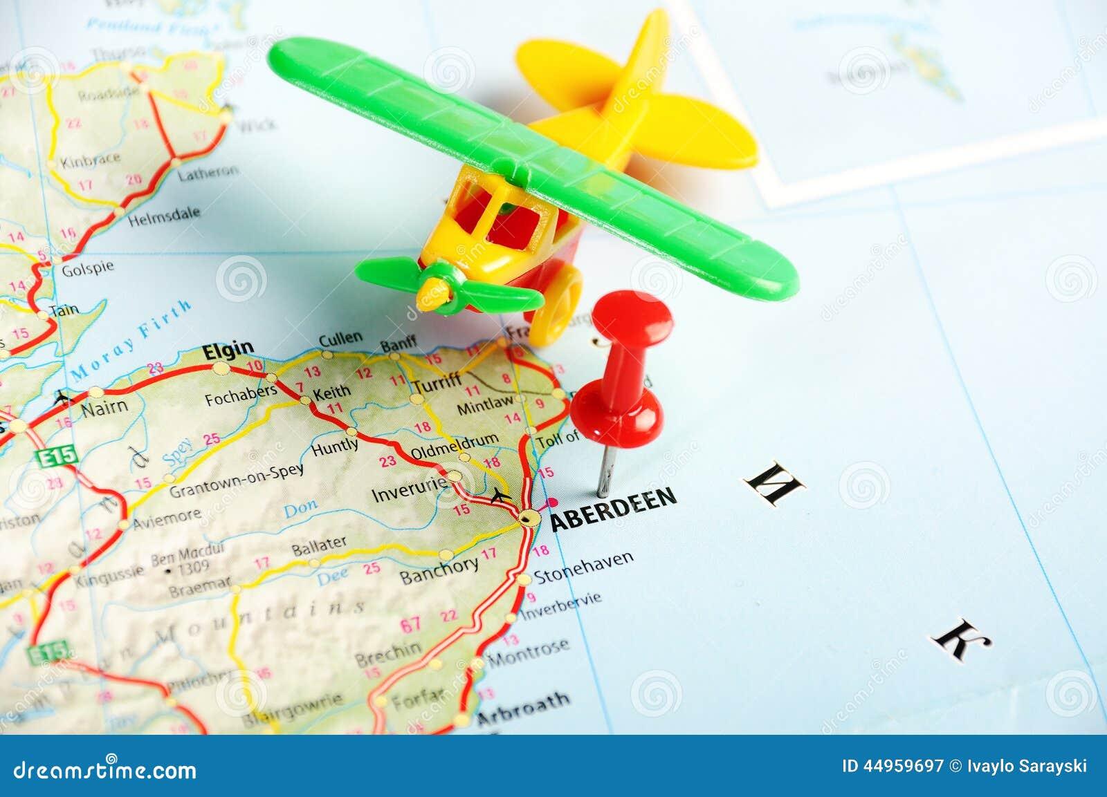 阿伯丁苏格兰,英国地图和飞机-旅行概念.图片