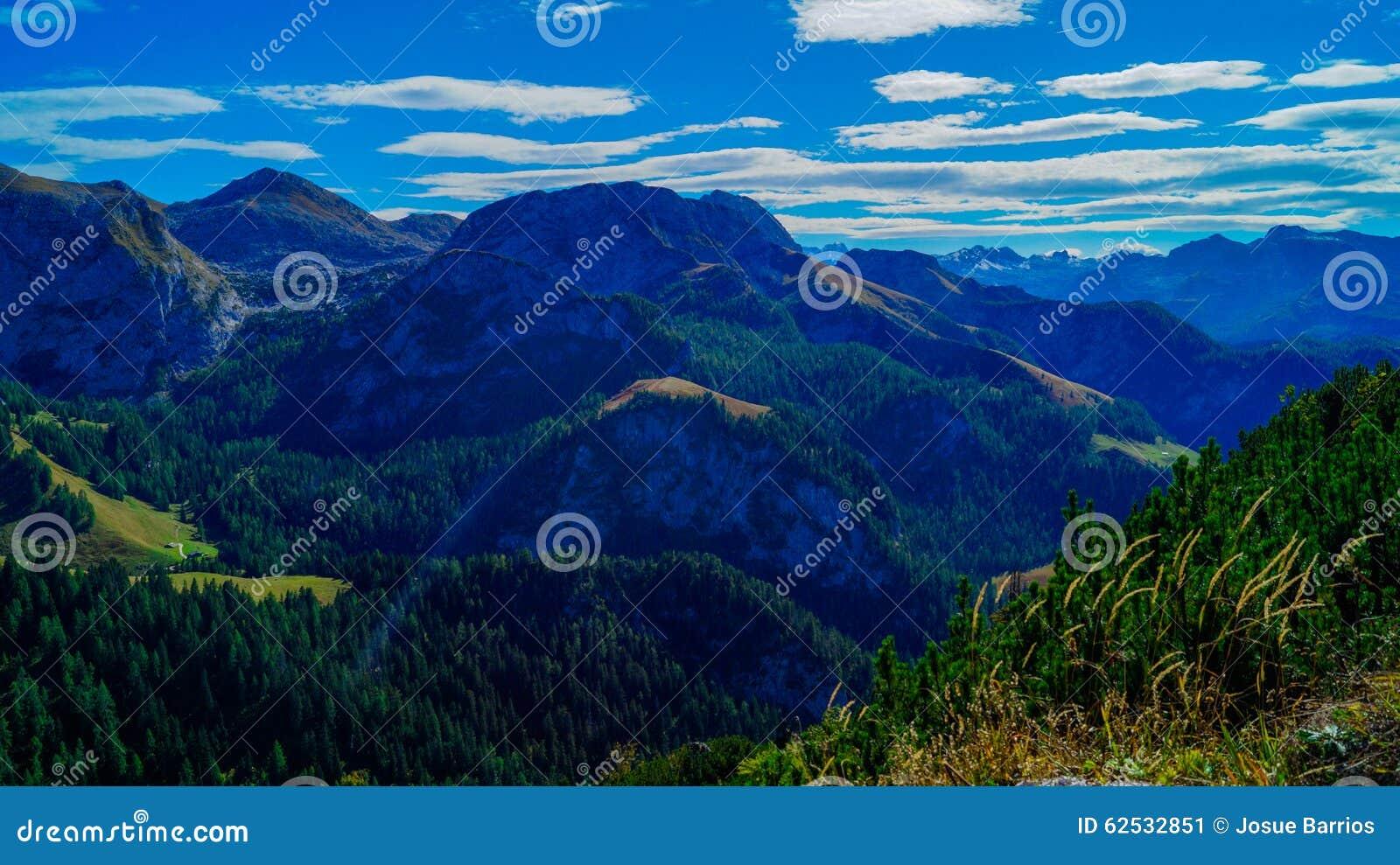 阿尔卑斯9的全景