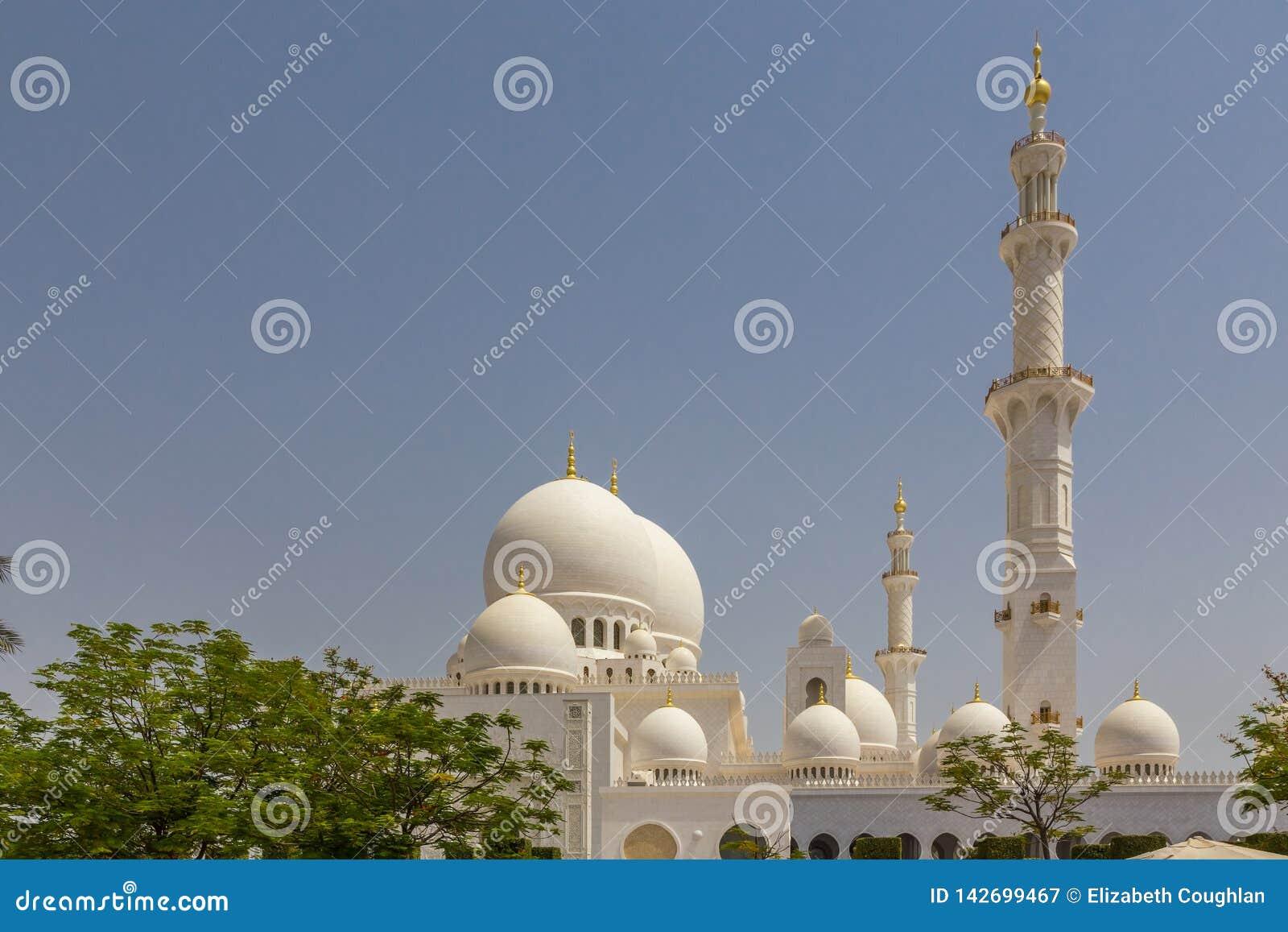 阿布扎比,阿拉伯联合酋长国,2015年7月7日:扎耶德,盛大清真寺回教族长