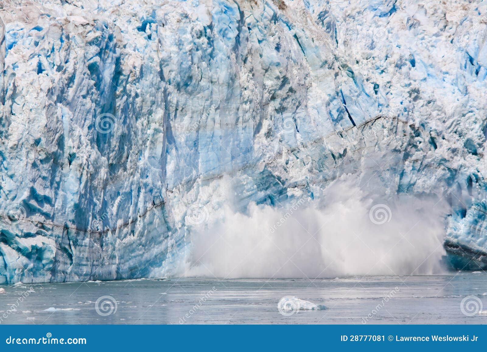 阿拉斯加太阳升产犊冰川冰