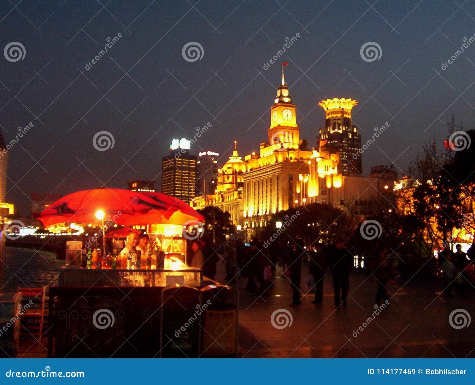 障壁在晚上-上海