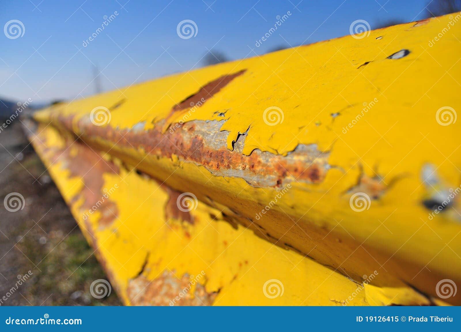 障碍生锈了黄色