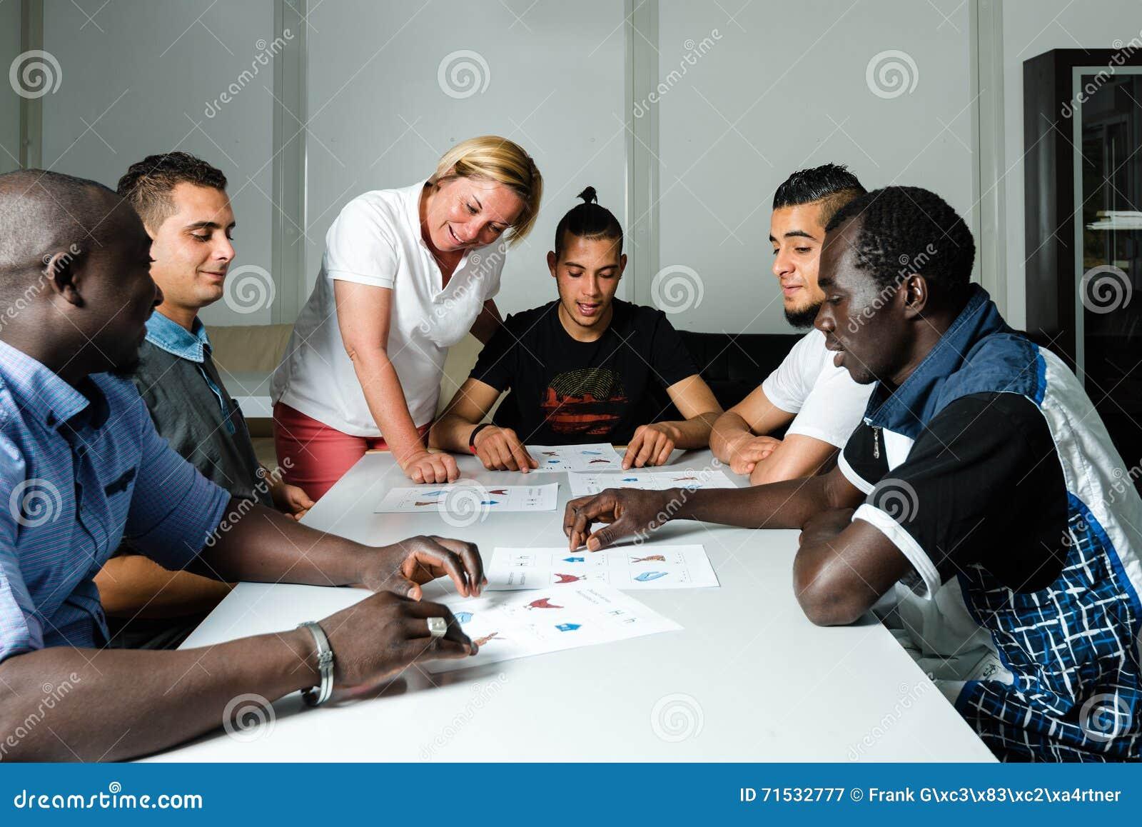 难民的语言训练德国阵营的