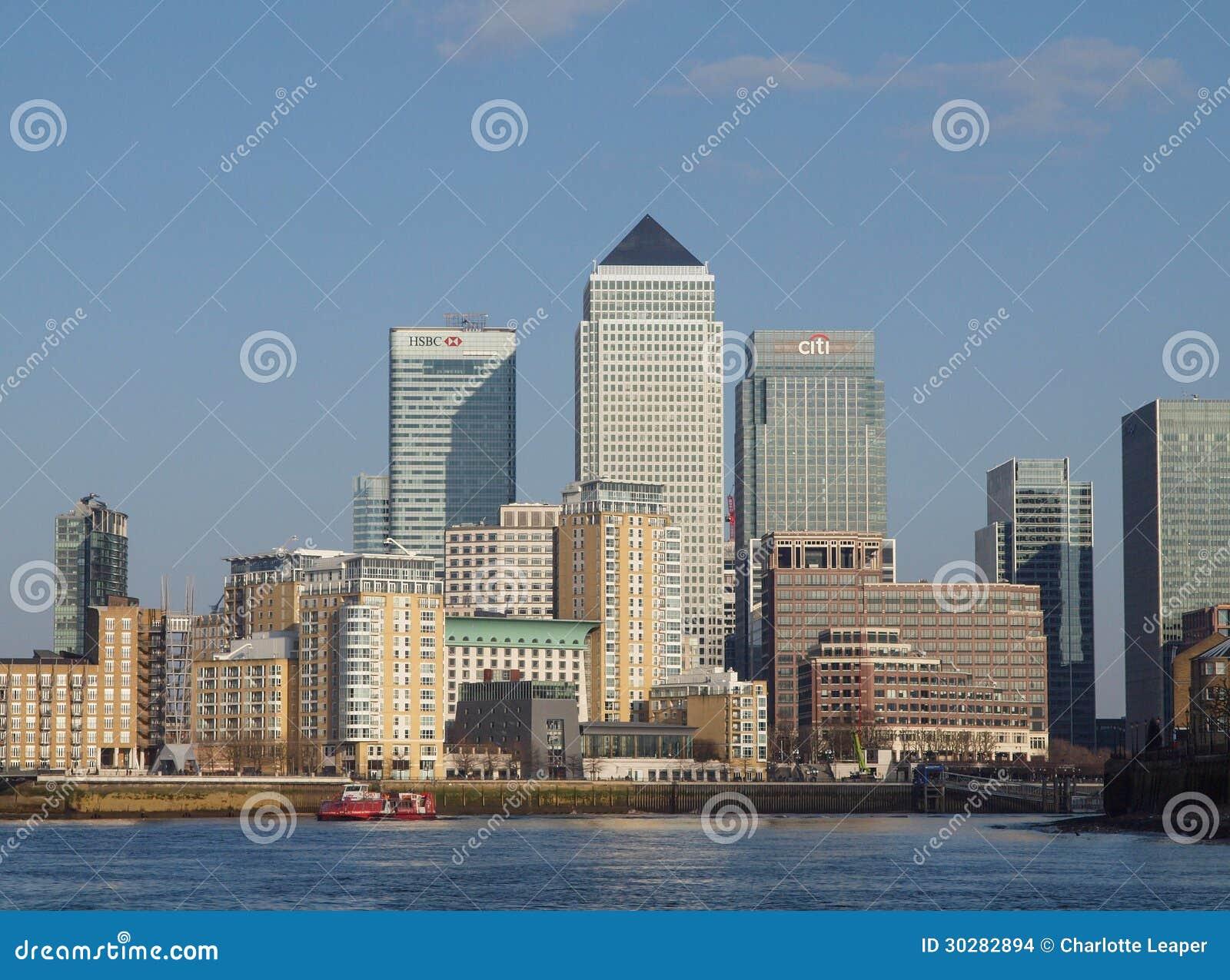 黄雀色码头和泰晤士河,伦敦