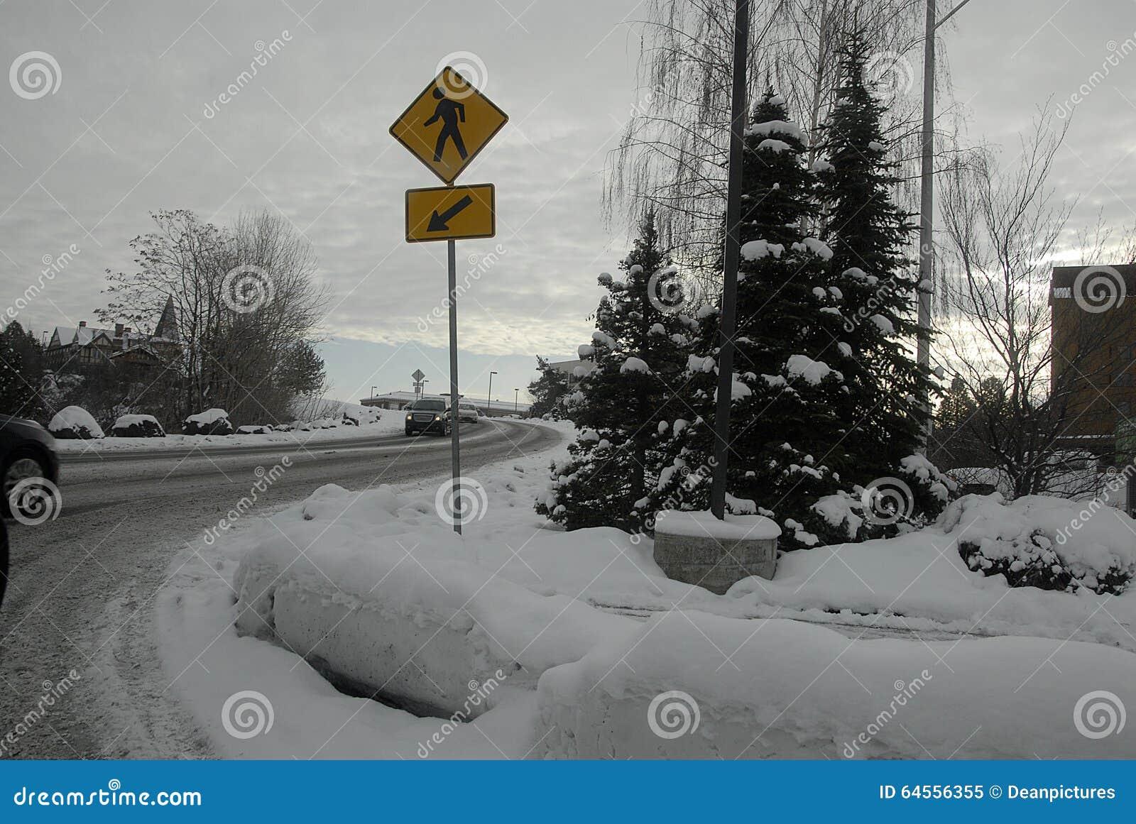 雪在斯波肯落