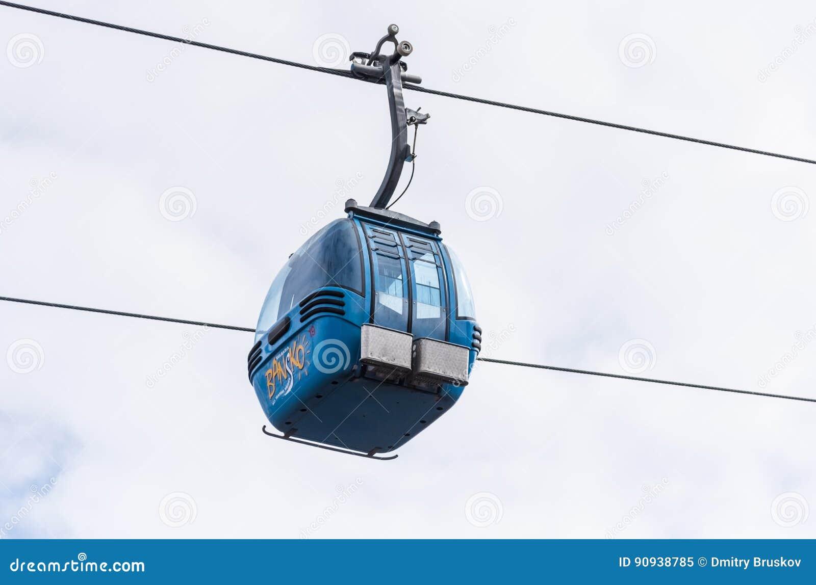滑雪的升降椅