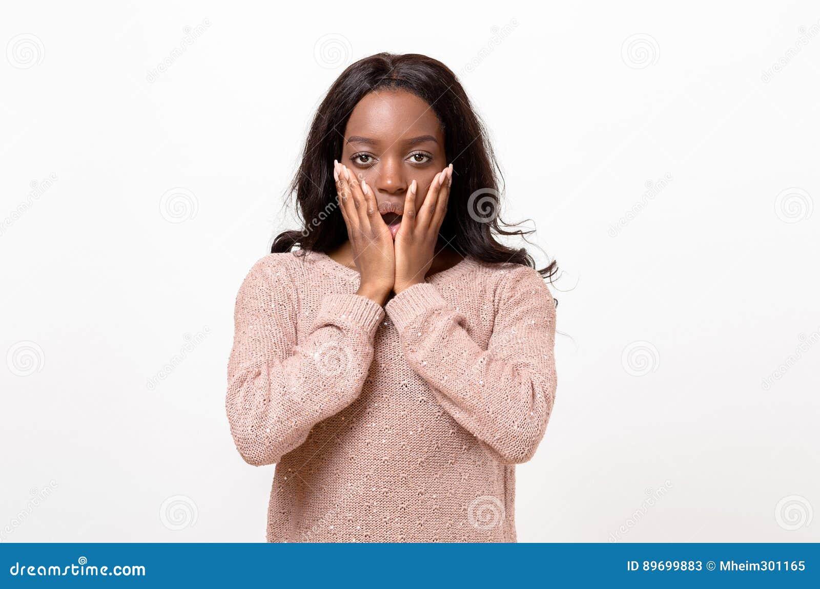 震惊年轻非洲妇女