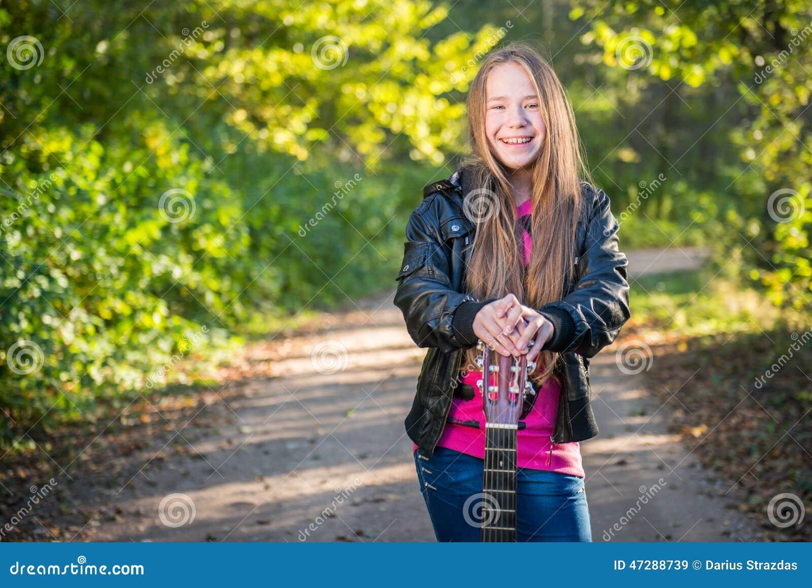 青少年长期女孩的头发图片