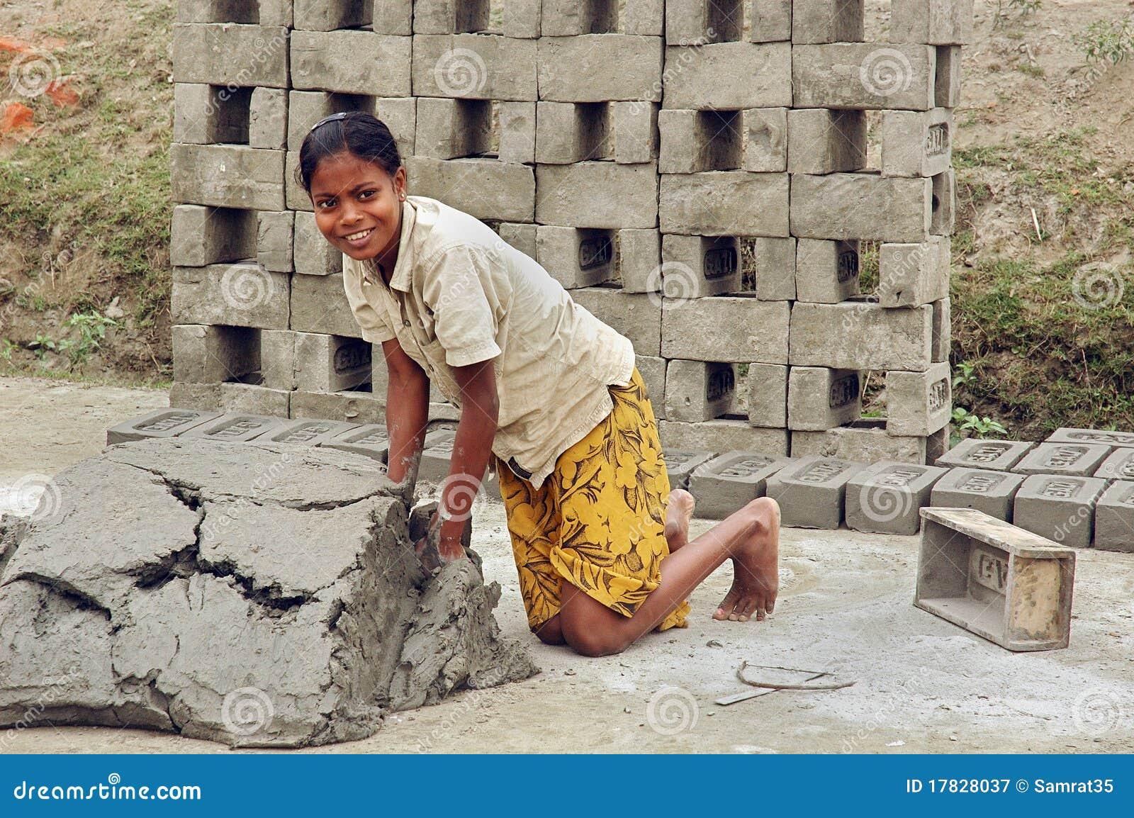 青年期砖厂女孩
