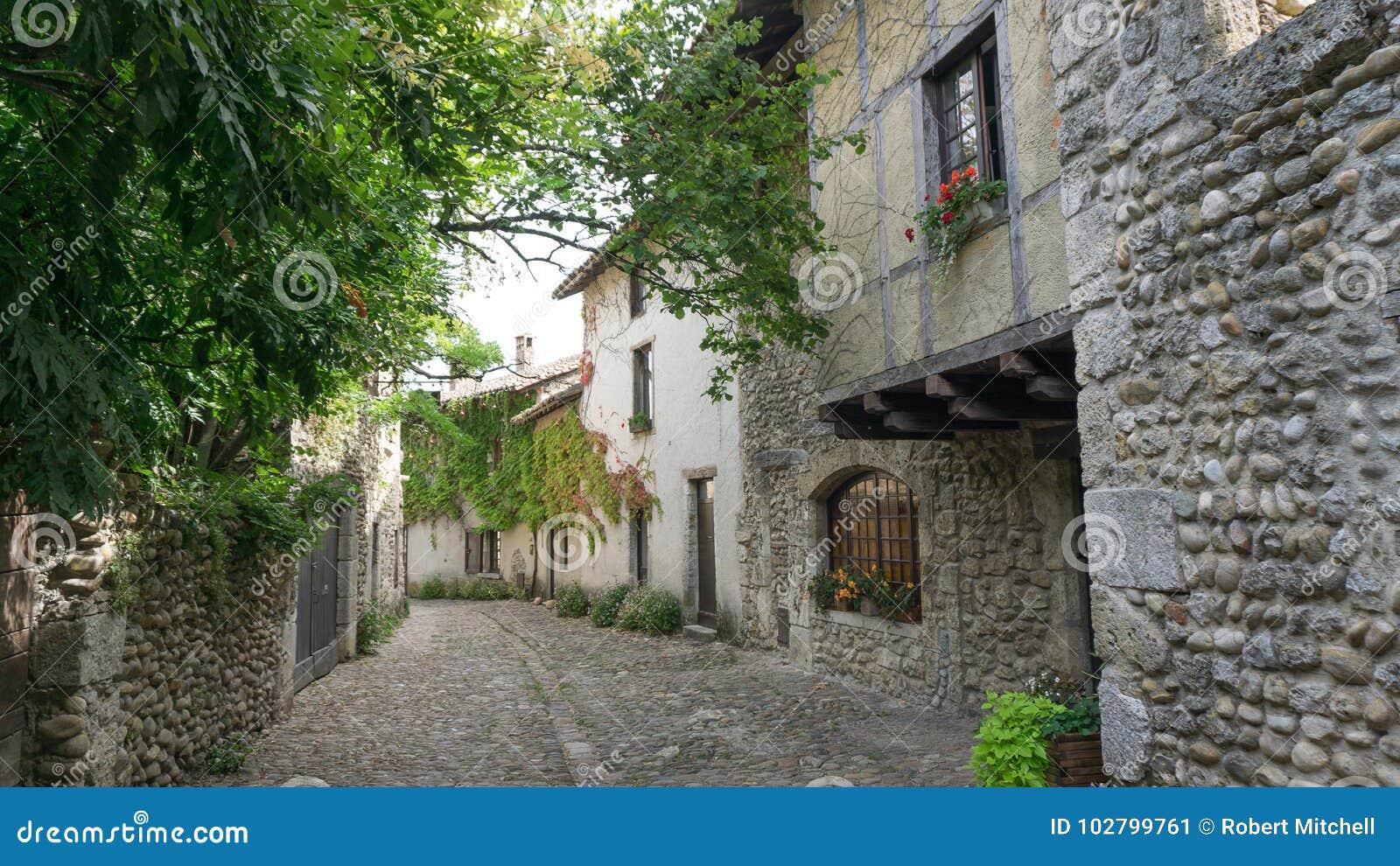 静街场面在Perouges法国