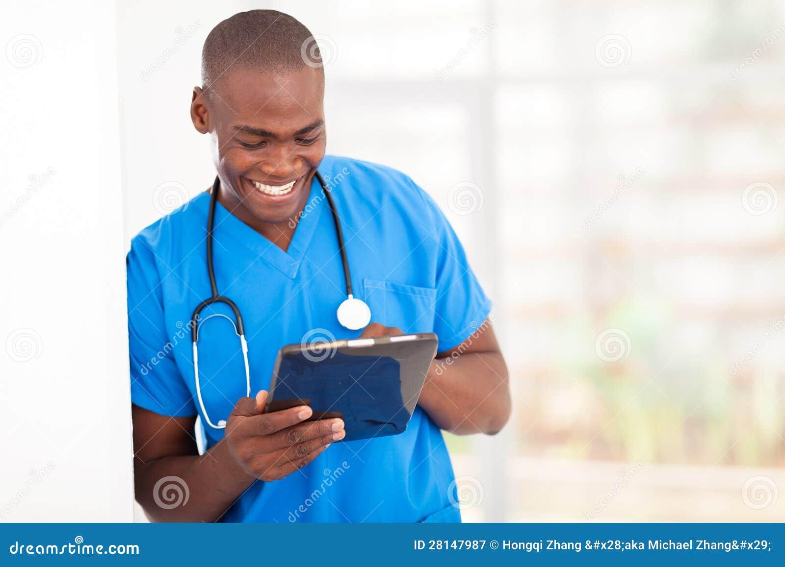 非洲医疗工作者片剂计算机