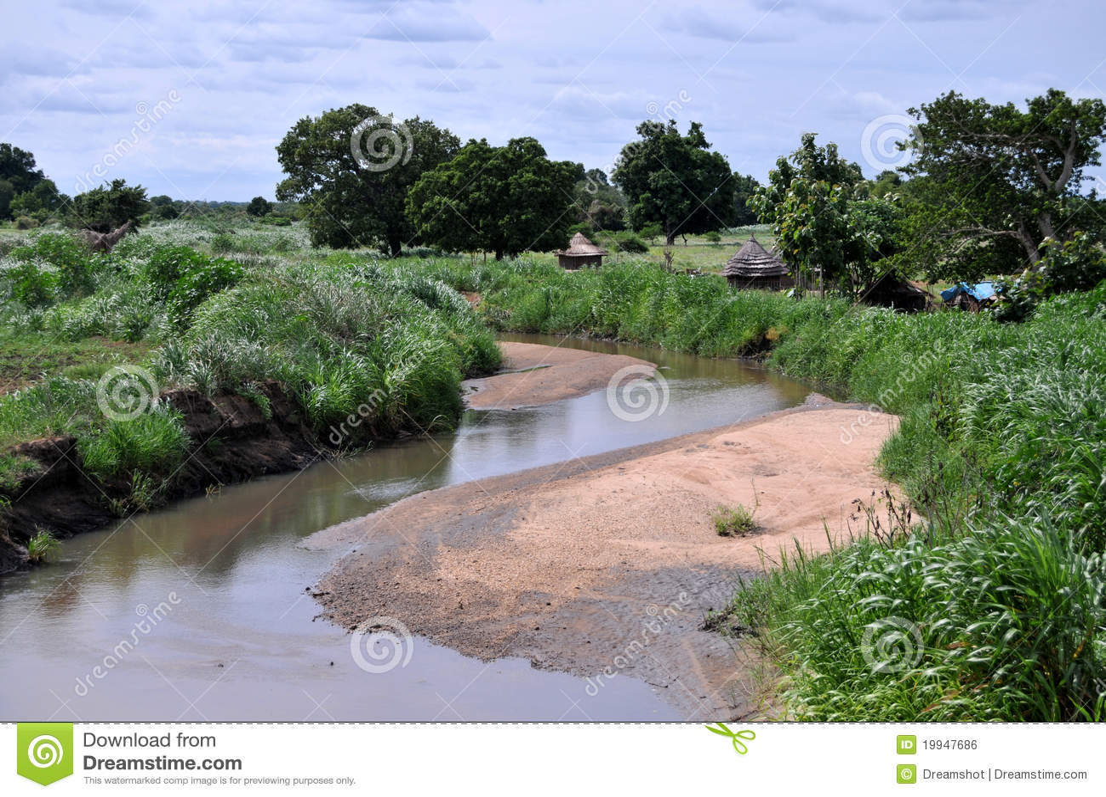 非洲河沿村庄