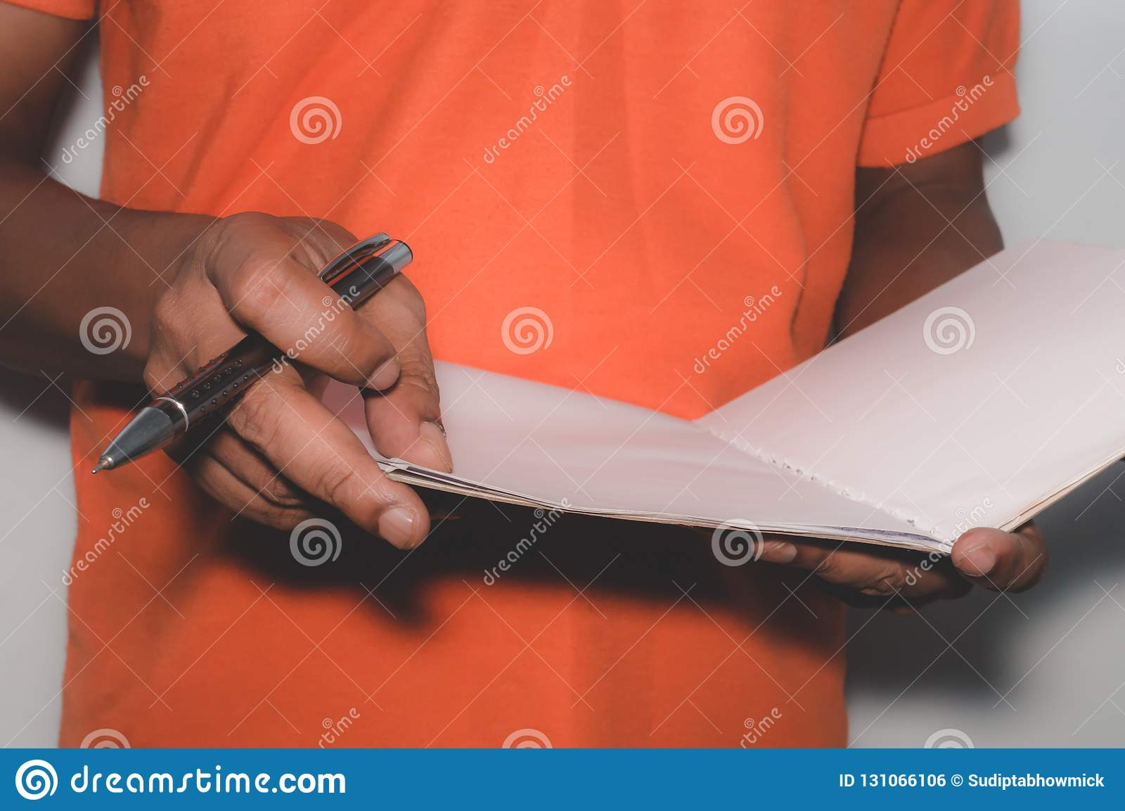 非裔美国人的商人身分和与文件一起使用