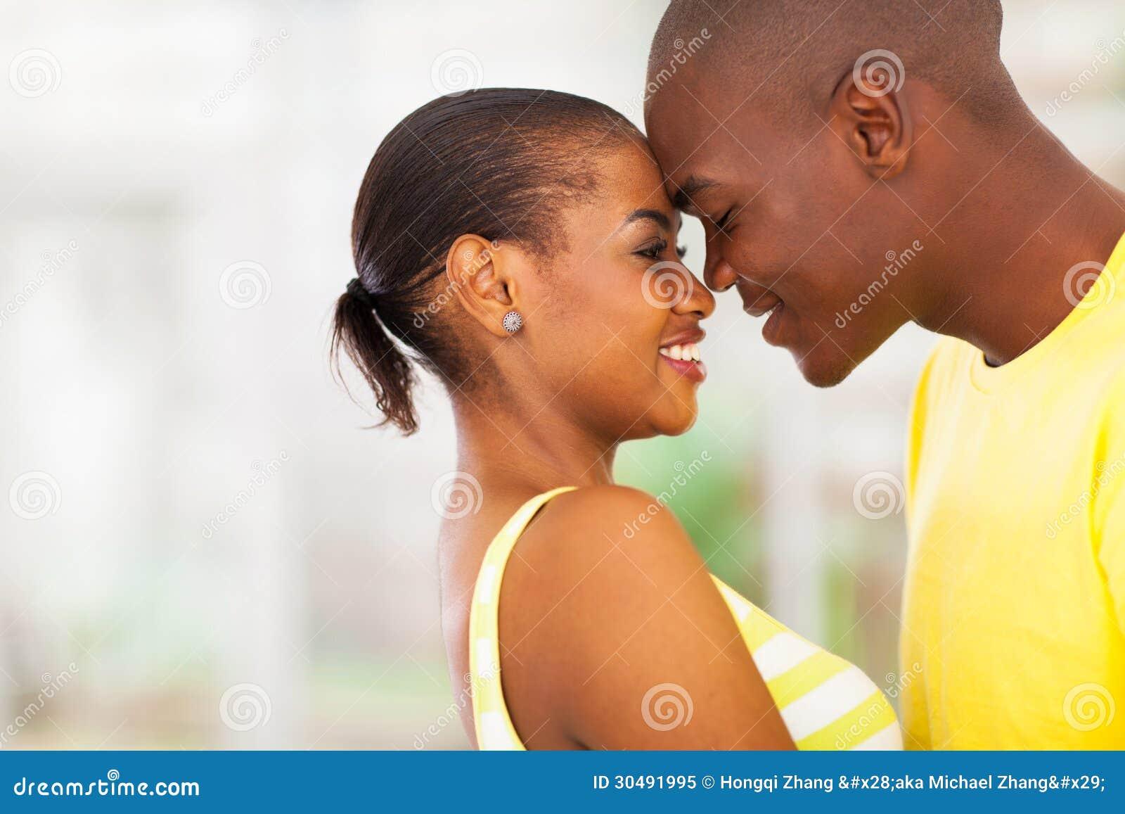 非裔美国人的夫妇