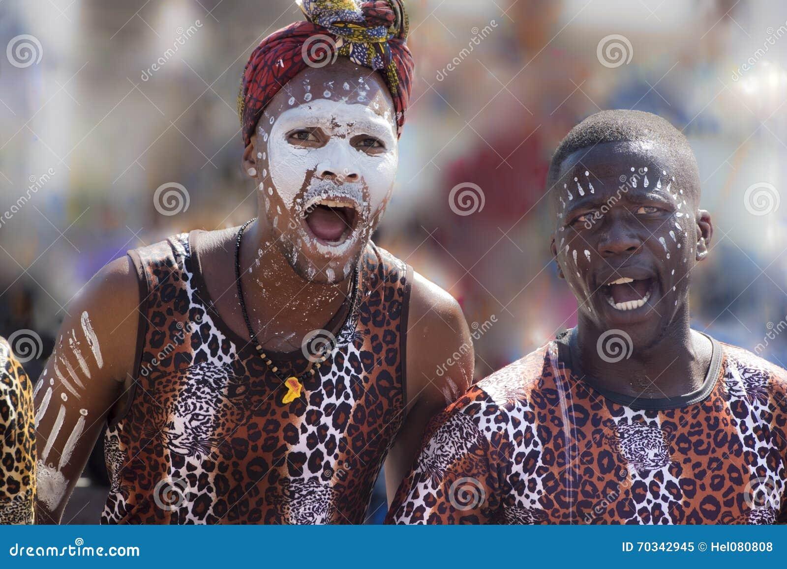 Download 非洲舞蹈演员 编辑类图片. 图片 包括有 唱歌, 打印, 庆祝, 跳舞, 屏蔽, 舞蹈, 陈列, 部落, 绘画 - 70342945