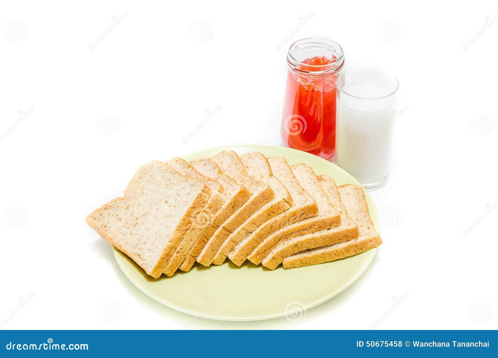 Download 面包用牛奶果酱在白色演播室的 库存照片. 图片 包括有 健康, 巴西, 果子, 鲜美, 谷物, 麦子, 正餐 - 50675458