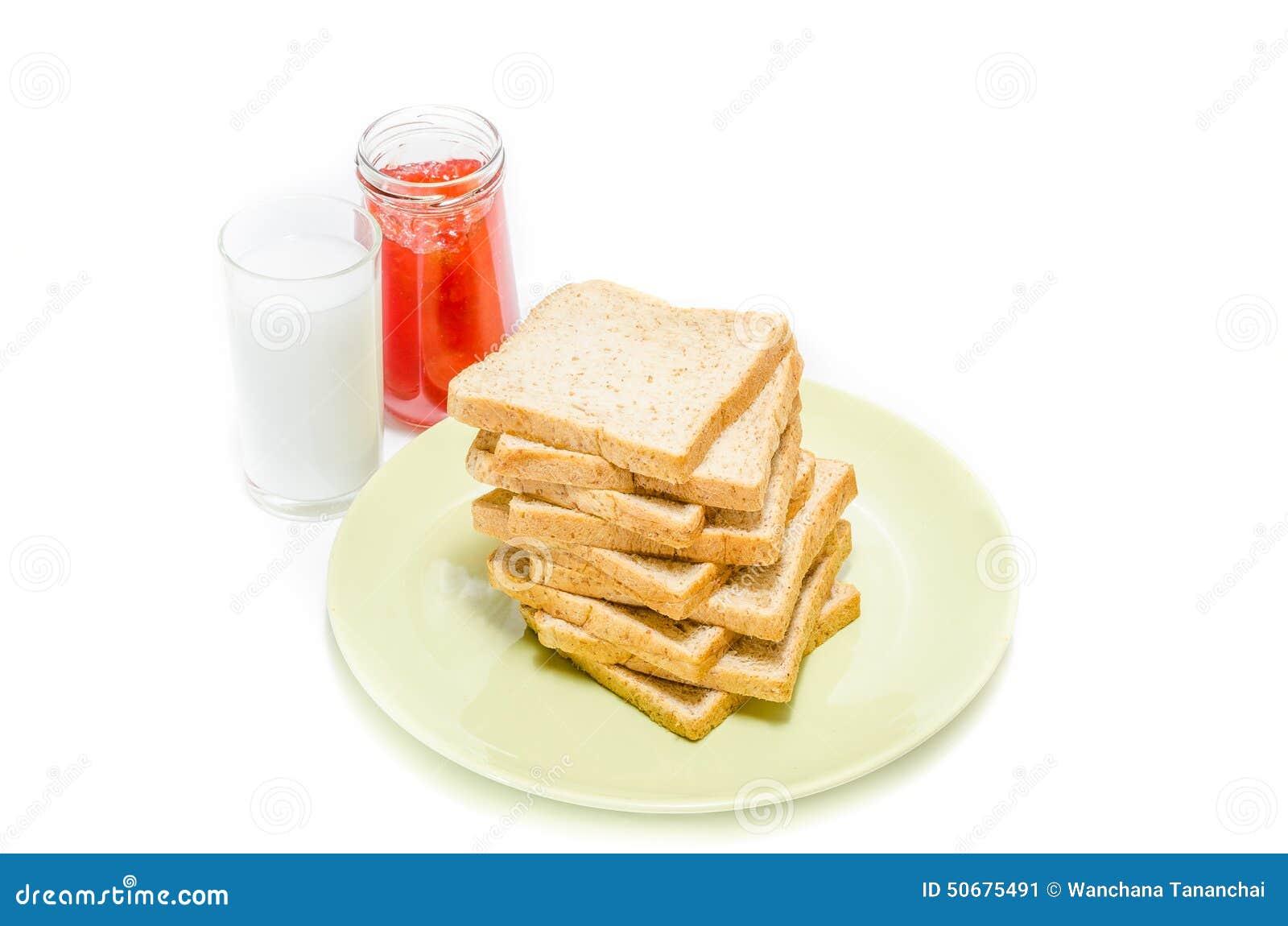 Download 面包用牛奶果酱在白色演播室的 库存图片. 图片 包括有 谷物, 背包, browne, 特写镜头, 午餐 - 50675491