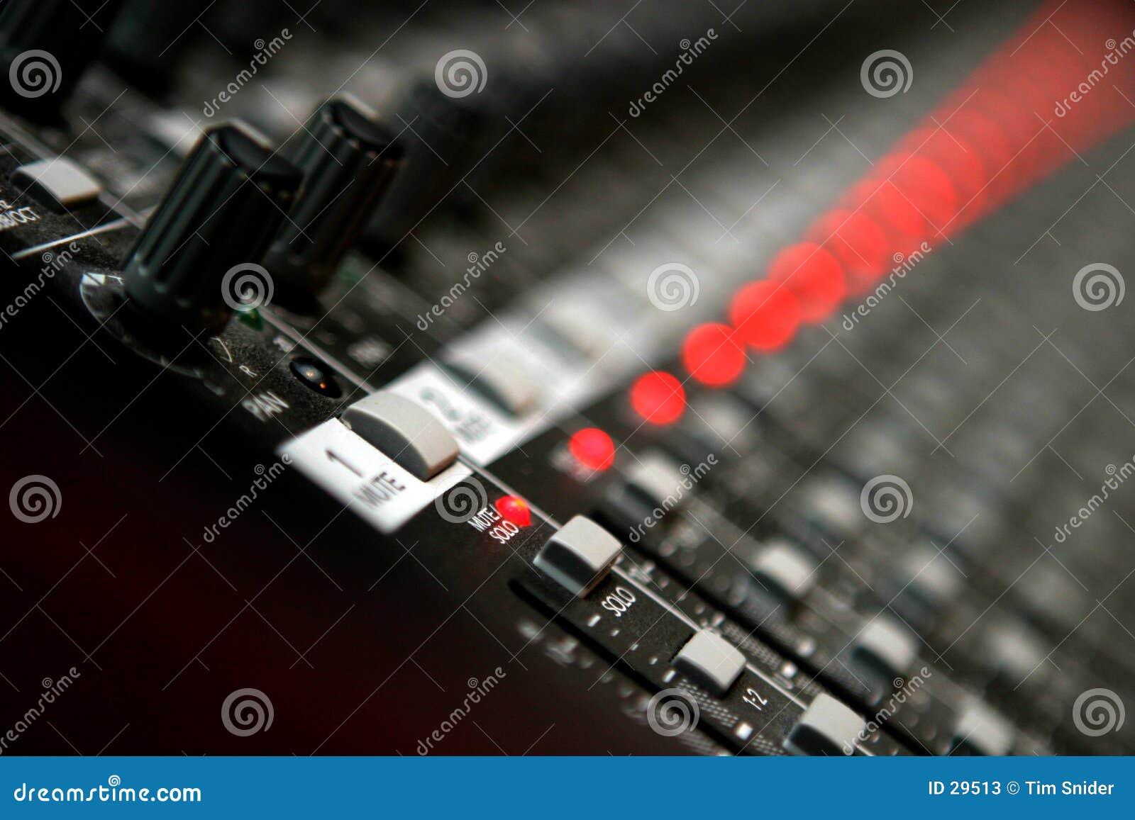 音频搅拌机