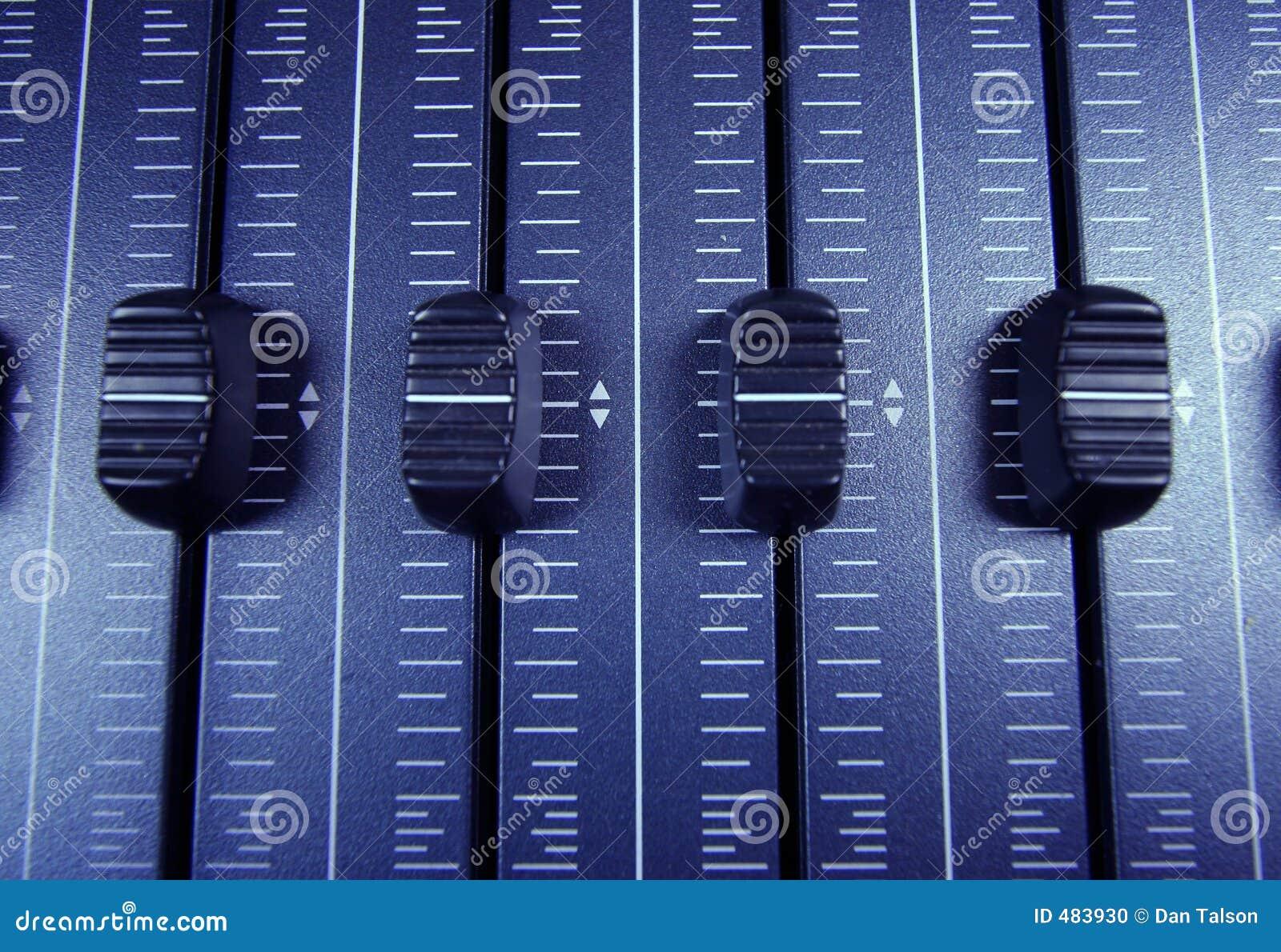 音频音量控制器
