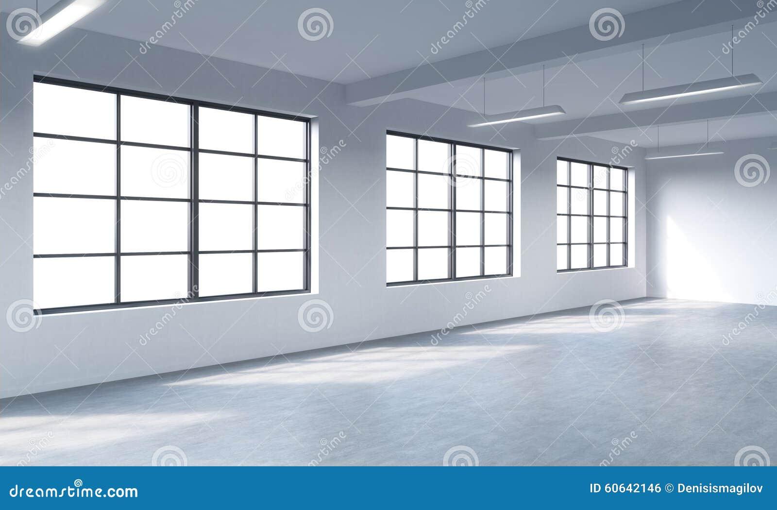 顶楼样式露天场所的现代明亮的干净的内部 巨大的窗口和白色墙壁 复制空间全景窗口
