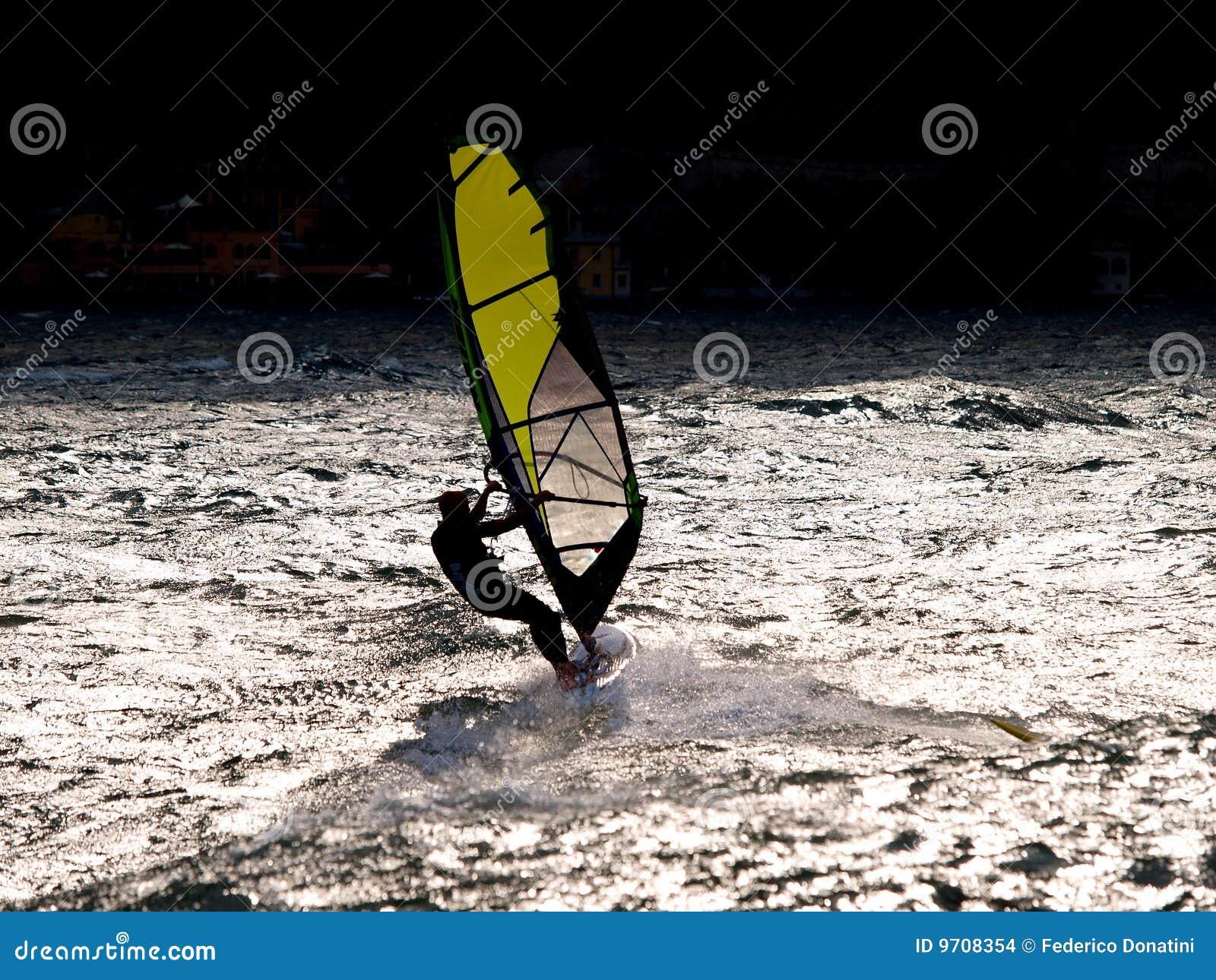 风帆冲浪者