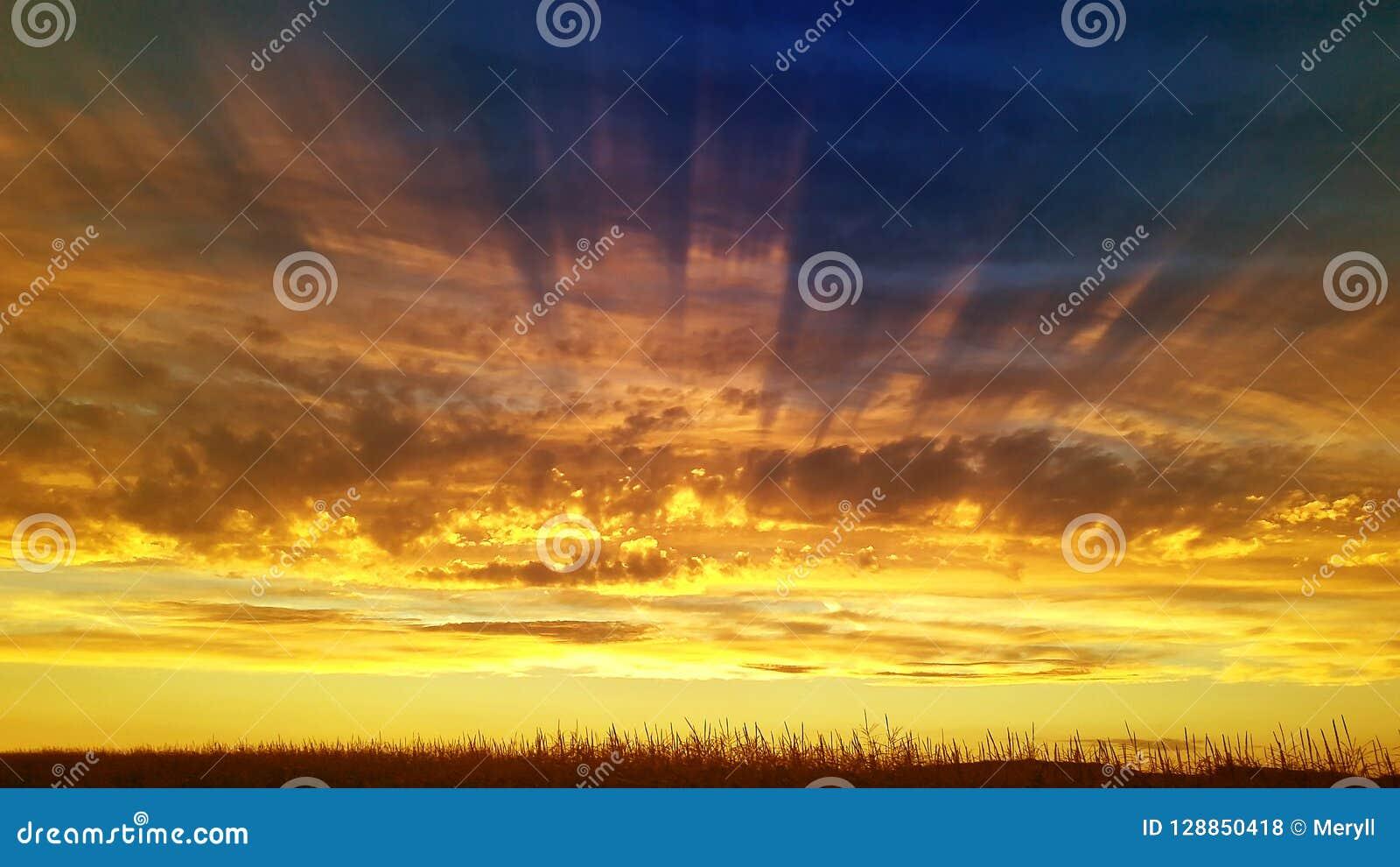 风景阳光日落天空