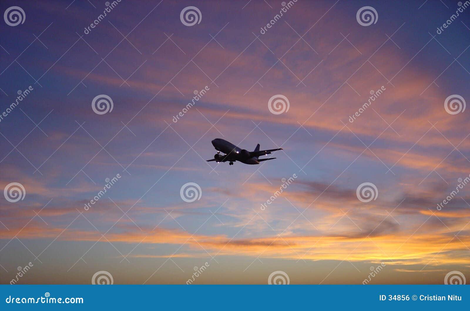 飞机日落与