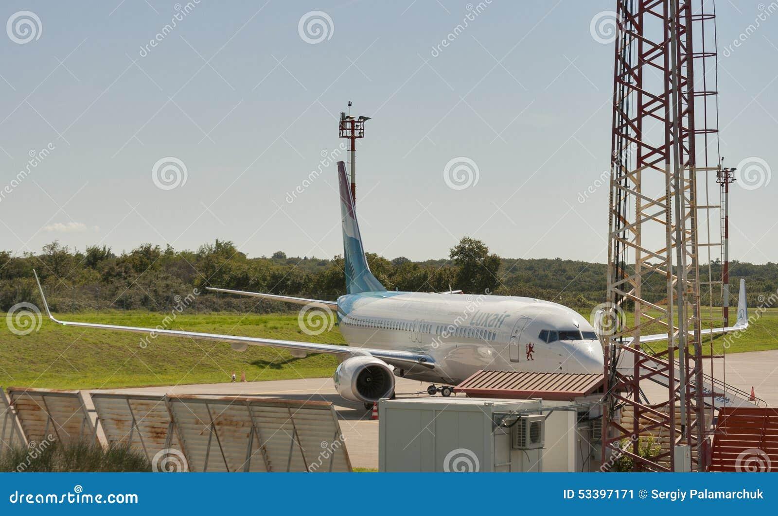 飞机Luxair在Zracna Luka机场 克罗地亚普拉