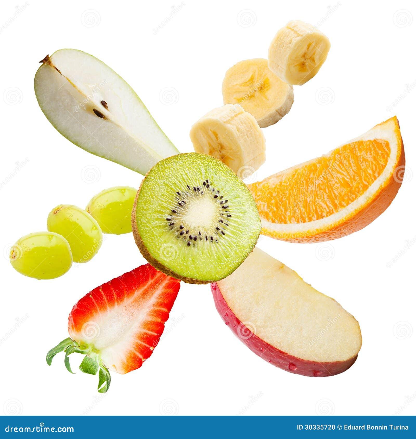 飞行的新鲜水果。