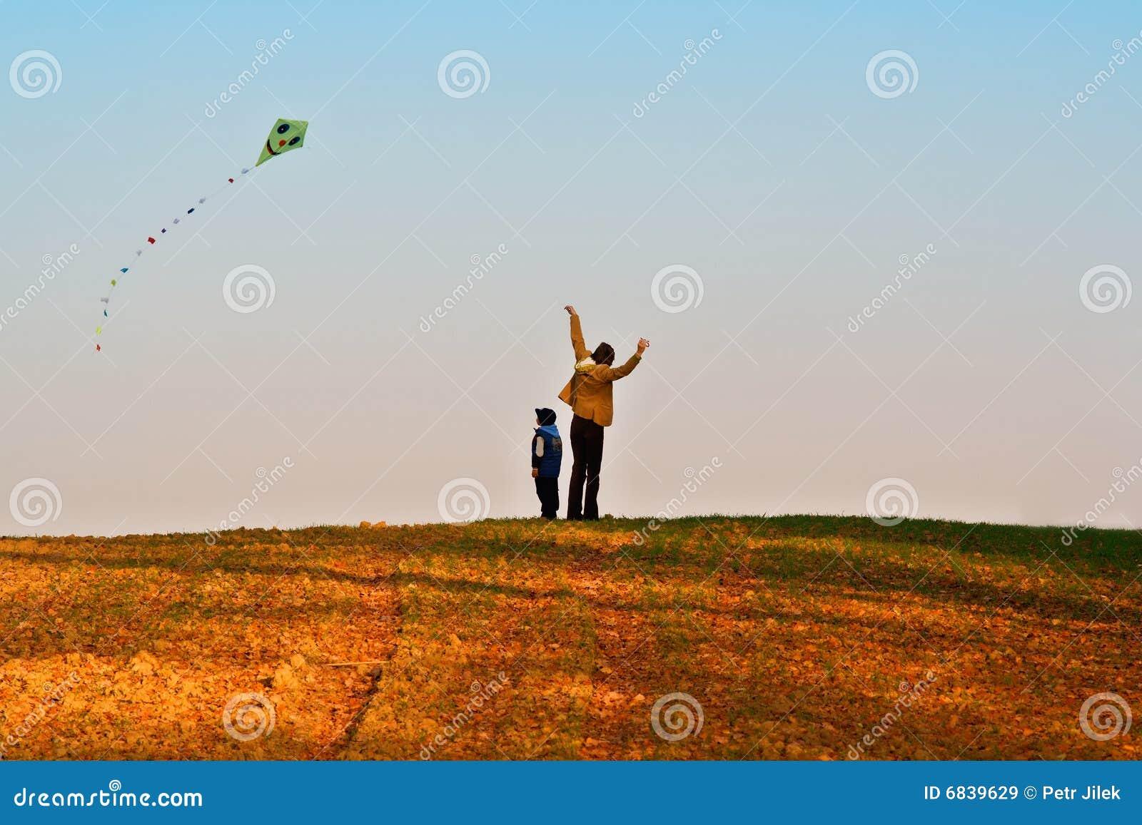 飞行风筝母亲儿子