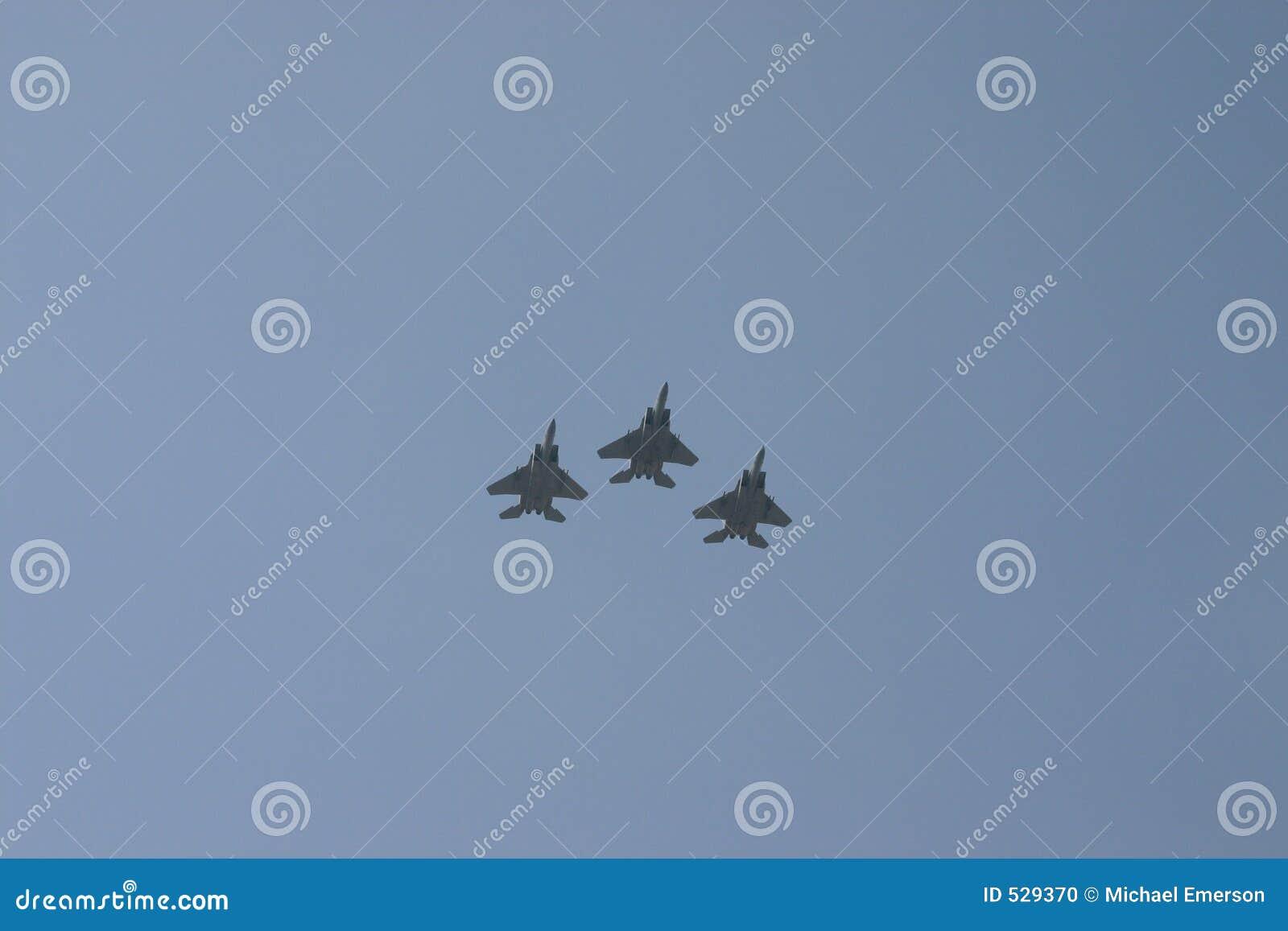 Download 飞行 库存照片. 图片 包括有 喷气机, 证券, 飞行, 爱国, 航空, 和平, 战争, 速度, 飞机, 形成 - 529370