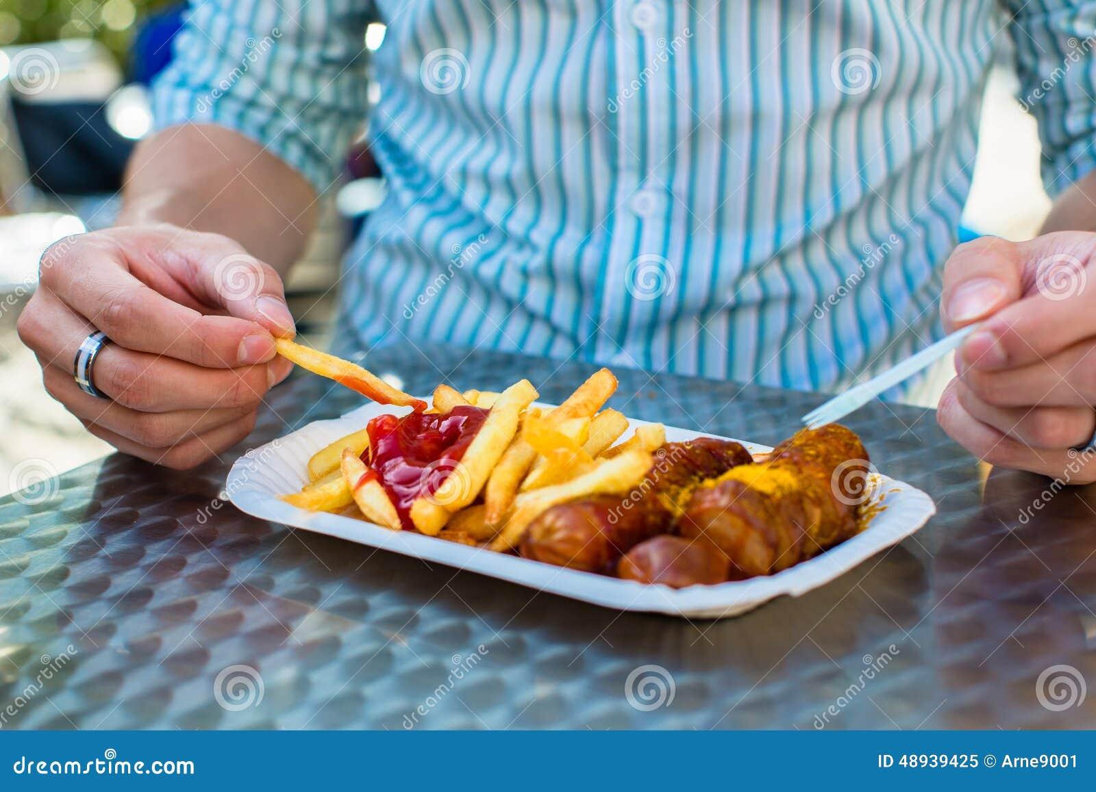 食人的德语Currywurst