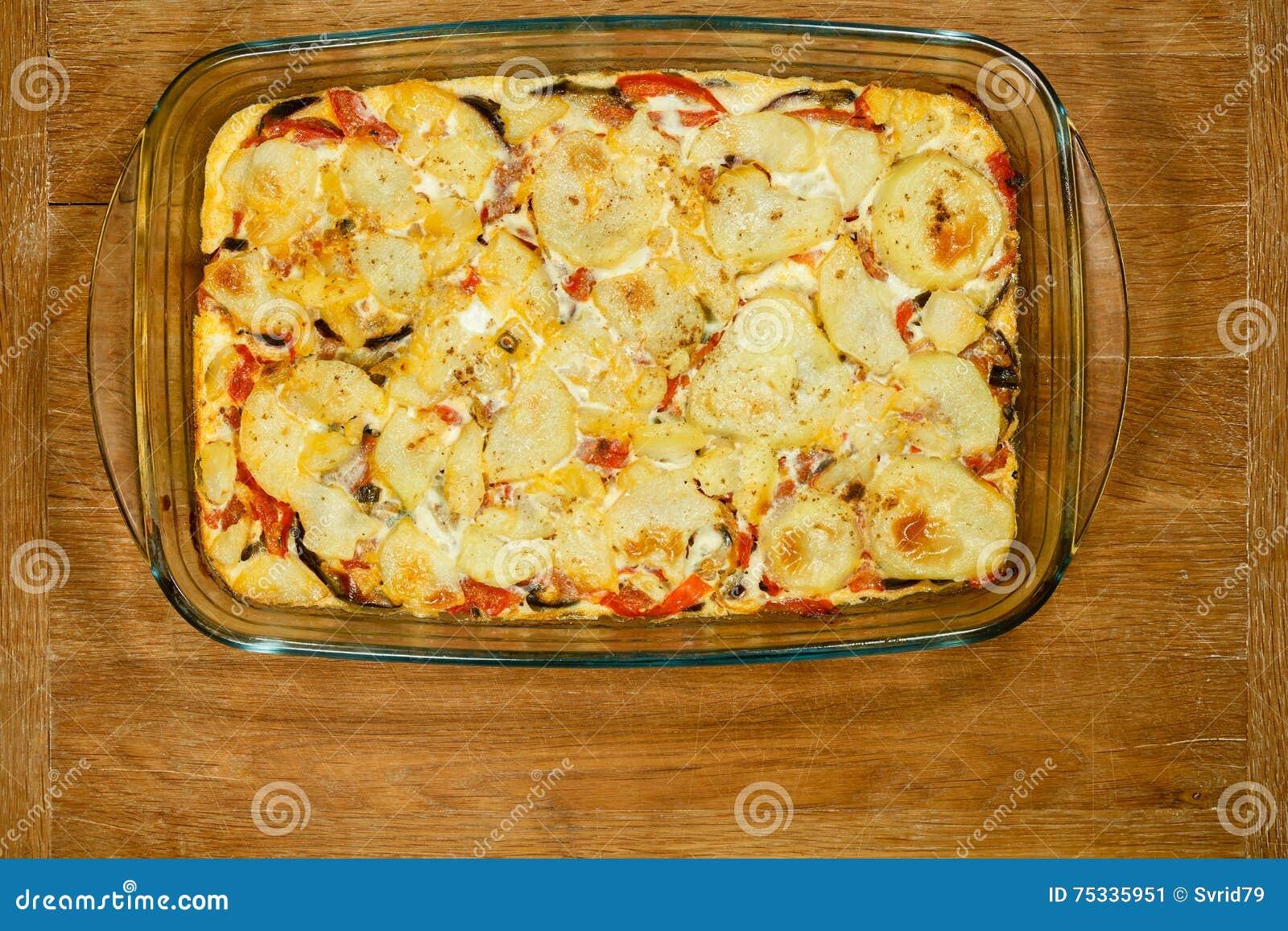素食主义者Moussaka 传统希腊盘