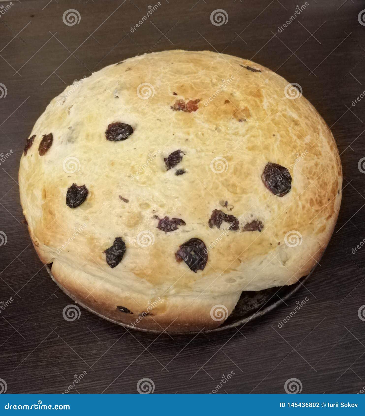饼用从烤箱的葡萄干