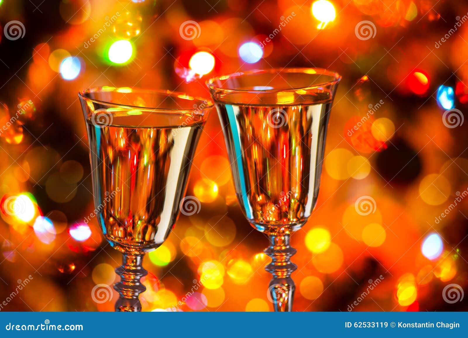 香宾玻璃和圣诞灯